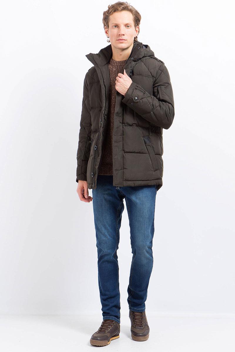 Куртка мужская Finn Flare, цвет: темно-коричневый. W17-21004_601. Размер XXL (54)W17-21004_601Куртка мужская Finn Flare выполнена из полиэстера. Модель с капюшоном и длинными рукавами застегивается на комбинированную застежку.