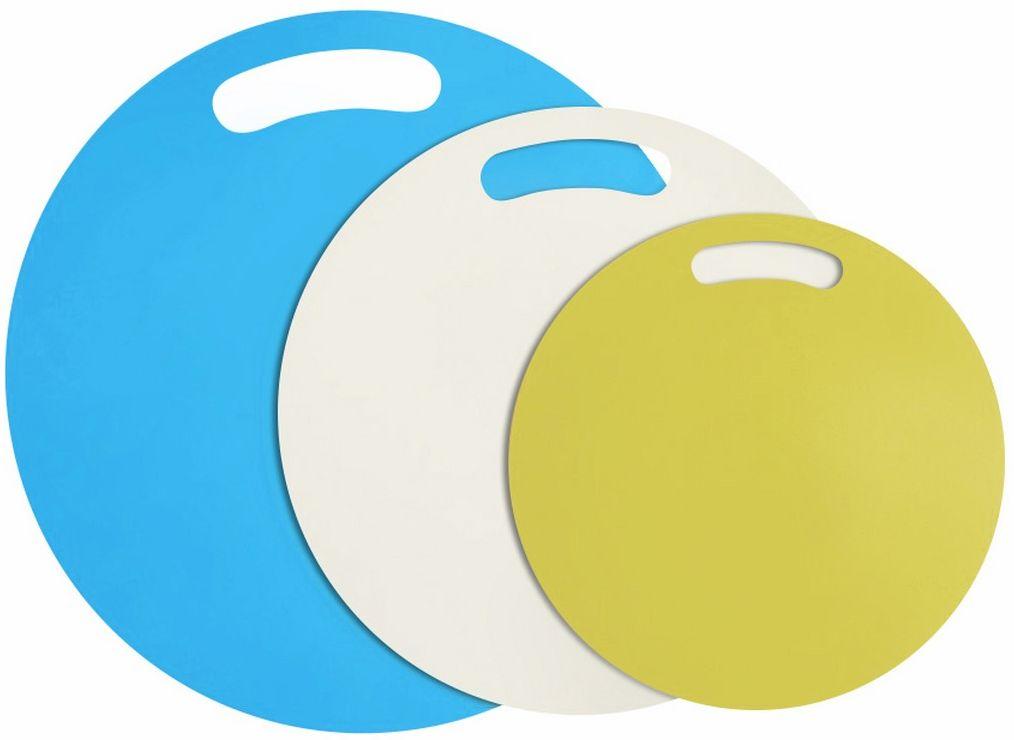 """Набор разделочных досок Ругес Ассорти, 3 предмета, цвет: голубой, желтый, белыйK-49Разделочных досок нужно несколько для разных задач и продуктов. Они должны быть удобными, легкими в уходе и хорошо совмещаться для хранения. Набор разделочных досок """"АССОРТИ"""" – комплект из 3 круглых разделочных досок разного диаметра и цвета, это готовое решение для любой кухни! Разделочные доски """"АССОРТИ"""" сделаны из специального прочного пластика, который не впитывает запахи. Разделочные доски """"АССОРТИ"""" разных размеров 22 см, 27 см и 32 см –удобно выбирать для маленьких и больших кулинарных задач! Разделочные доски """"АССОРТИ"""" добавят ярких цветов вашей кухне и готовить с ними будет приятнее! Материал: ПВХ. Диаметры: 32 см, 27 см, 22 см. Комплектация: набор досок – 3 шт."""