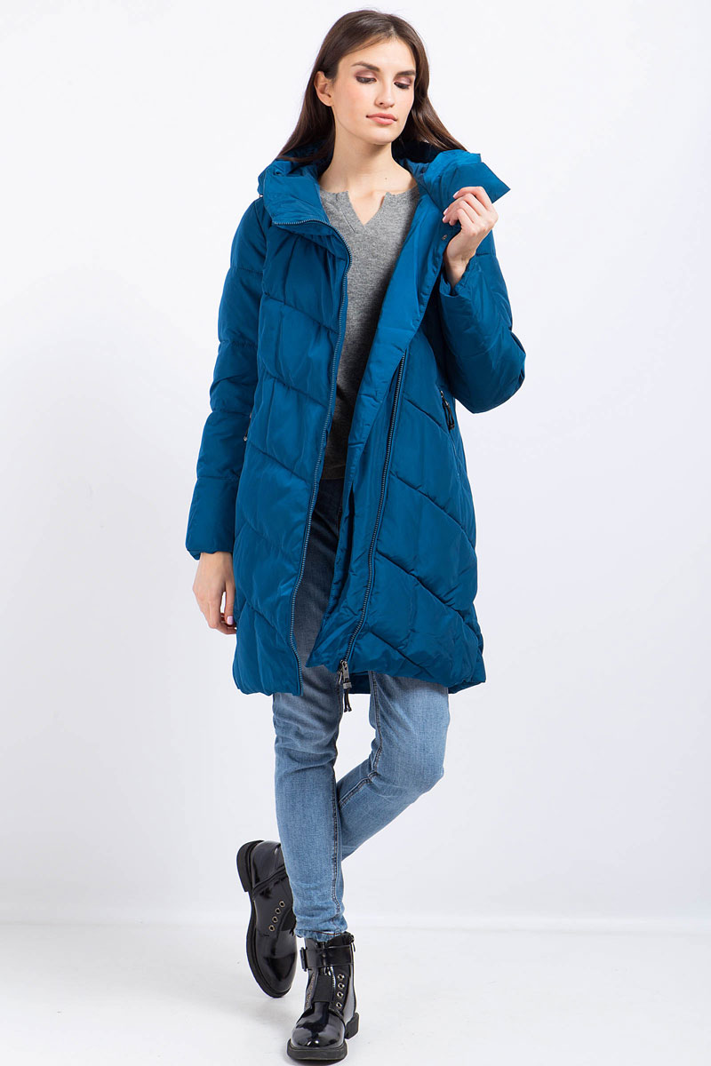 Пальто женское Finn Flare, цвет: темно-синий. W17-11030_129. Размер L (48)W17-11030_129Пальто женское Finn Flare выполнено из полиэстера и нейлона. Модель с капюшоном и длинными рукавами застегивается на молнию.