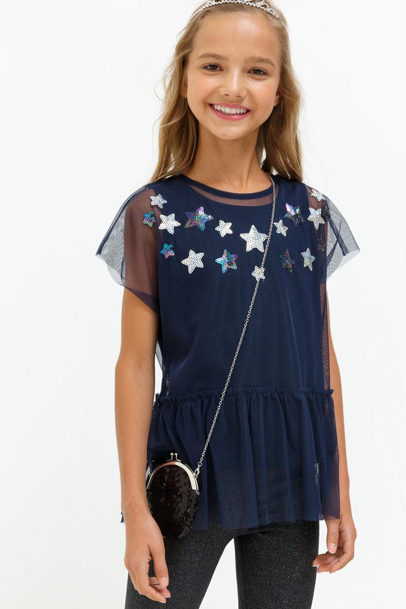 Блузка для девочки Acoola Toffee, цвет: темно-синий. 20210110109. Размер 13420210110109Блузка для девочки Acoola выполнена из полиэстера. Модель с круглым вырезом горловины оформлена принтом и украшена пайетками.