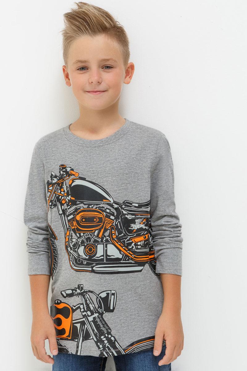 Лонгслив для мальчика Acoola Sanremo, цвет: темно-серый. 20110170035. Размер 14020110170035Лонгслив для мальчика выполнен из натурального хлопка. Модель с круглым вырезом горловины и длинными рукавами.