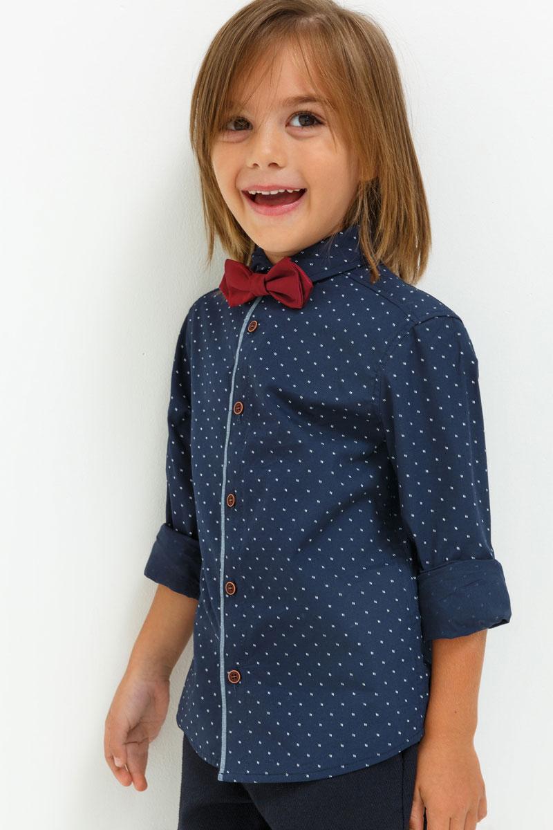 Рубашка для мальчика Acoola Jer, цвет: темно-синий. 20120280042. Размер 9820120280042Рубашка для мальчика Acoola выполнена из натурального хлопка. Модель с отложным воротником и длинными рукавами застегивается на пуговицы.