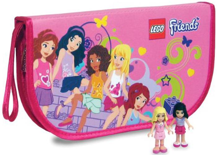 LEGO Friends Сумочка-коврикА1613ХXКрасочная сумочка легко превращается в коврик со специальными креплениями для мини-фигурок. Любимые игрушки не потеряются и не сломаются, а ребенку не нужно будет прерывать процесс игры, выезжая за город или на пикник. Коврик красочно украшен лесной поляной с продуманной картой местности, широкие возможности и разнообразные объекты не дадут вам заскучать! Стильные и качественные декорации придутся по душе любой моднице. В них вы сможете изобразить еще больше сцен и номеров, а также придумать новые истории и своё развитие событий.Благодаря современному оформлению игрушка-коврик станет отличным аксессуаром для юной леди. Игрушка-коврик, оформлена в сложенном виде кошельком. Коврик, при помощи молнии легко складывается в кошелек для игрушек с карманами до 6 минифигур. Размер в сложенном виде 23 х 12,7 х 3,8 см. Размер в разложенном виде: 23 х 29 см.