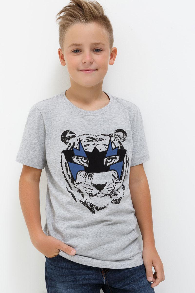 Футболка для мальчика Acoola Genova, цвет: светло-серый. 20110110080. Размер 14620110110080Футболка для мальчика Acoola выполнена из хлопка. Модель с круглым вырезом горловины и короткими рукавами.