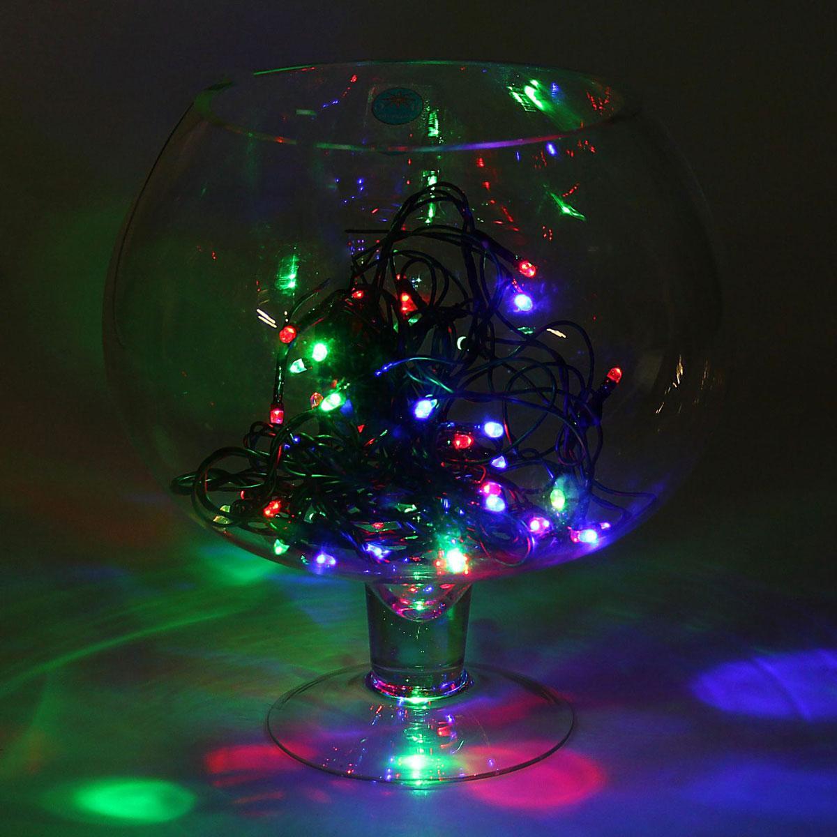 Гирлянда светодиодная Luazon Метраж, уличная, моргает, 52 лампы, 220 V, 5 м, цвет: мультиколор. 10799761079976Светодиодные гирлянды, ленты и т.д. — это отличный вариант для новогоднего оформления интерьера или фасада. С их помощью помещение любого размера можно превратить в праздничный зал, а внешние элементы зданий, украшенные ими, мгновенно станут напоминать очертания сказочного дворца. Такие украшения создают ауру предвкушения чуда. Деревья, фасады, витрины, окна и арки будто специально созданы, чтобы вы украсили их светящимися нитями.
