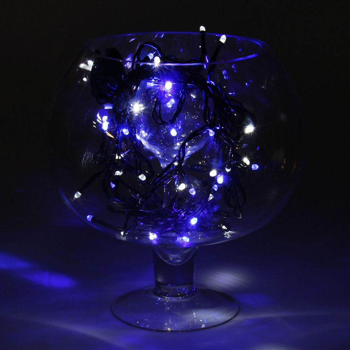 Гирлянда светодиодная Luazon Метраж, уличная, моргает, 52 лампы, 220 V, 5 м, цвет: бело-синий. 10799781079978Светодиодные гирлянды, ленты и т.д. — это отличный вариант для новогоднего оформления интерьера или фасада. С их помощью помещение любого размера можно превратить в праздничный зал, а внешние элементы зданий, украшенные ими, мгновенно станут напоминать очертания сказочного дворца. Такие украшения создают ауру предвкушения чуда. Деревья, фасады, витрины, окна и арки будто специально созданы, чтобы вы украсили их светящимися нитями.