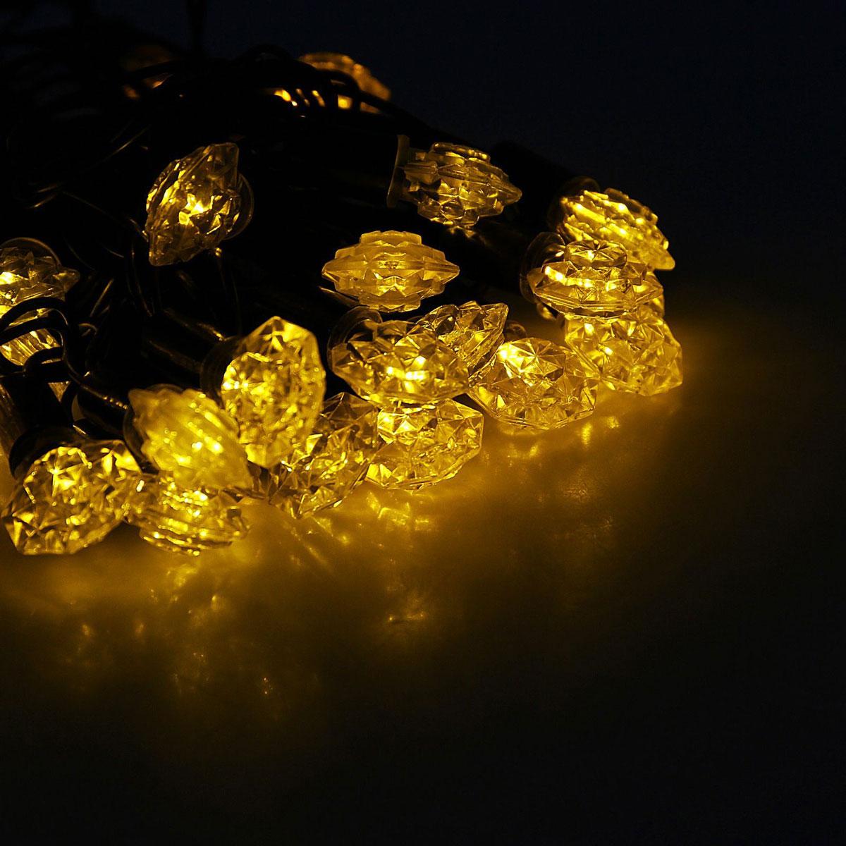 Гирлянда светодиодная Luazon Метраж. Грани, уличная с насадкой, фиксинг, 40 ламп, 220 V, 5 м, цвет: желтый. 10800761080076Светодиодные гирлянды, ленты и т.д. — это отличный вариант для новогоднего оформления интерьера или фасада. С их помощью помещение любого размера можно превратить в праздничный зал, а внешние элементы зданий, украшенные ими, мгновенно станут напоминать очертания сказочного дворца. Такие украшения создают ауру предвкушения чуда. Деревья, фасады, витрины, окна и арки будто специально созданы, чтобы вы украсили их светящимися нитями.