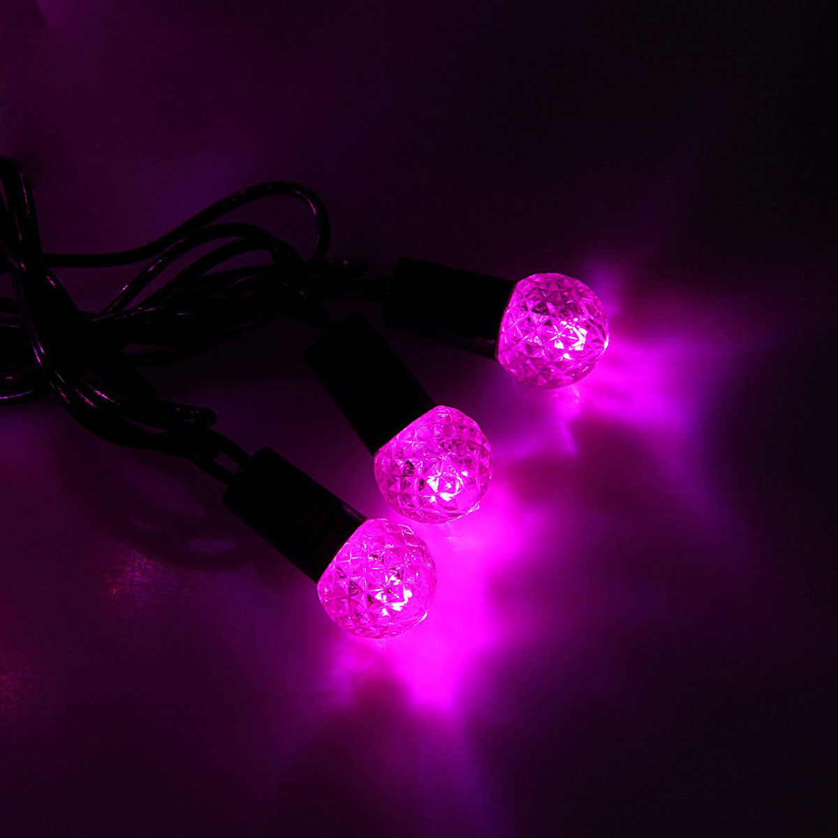 Гирлянда светодиодная Luazon Метраж. Фонарик, уличная с насадкой, 8 режимов, 40 ламп, 220 V, 5 м, цвет: розовый. 10801141080114Светодиодные гирлянды, ленты и т.д. — это отличный вариант для новогоднего оформления интерьера или фасада. С их помощью помещение любого размера можно превратить в праздничный зал, а внешние элементы зданий, украшенные ими, мгновенно станут напоминать очертания сказочного дворца. Такие украшения создают ауру предвкушения чуда. Деревья, фасады, витрины, окна и арки будто специально созданы, чтобы вы украсили их светящимися нитями.