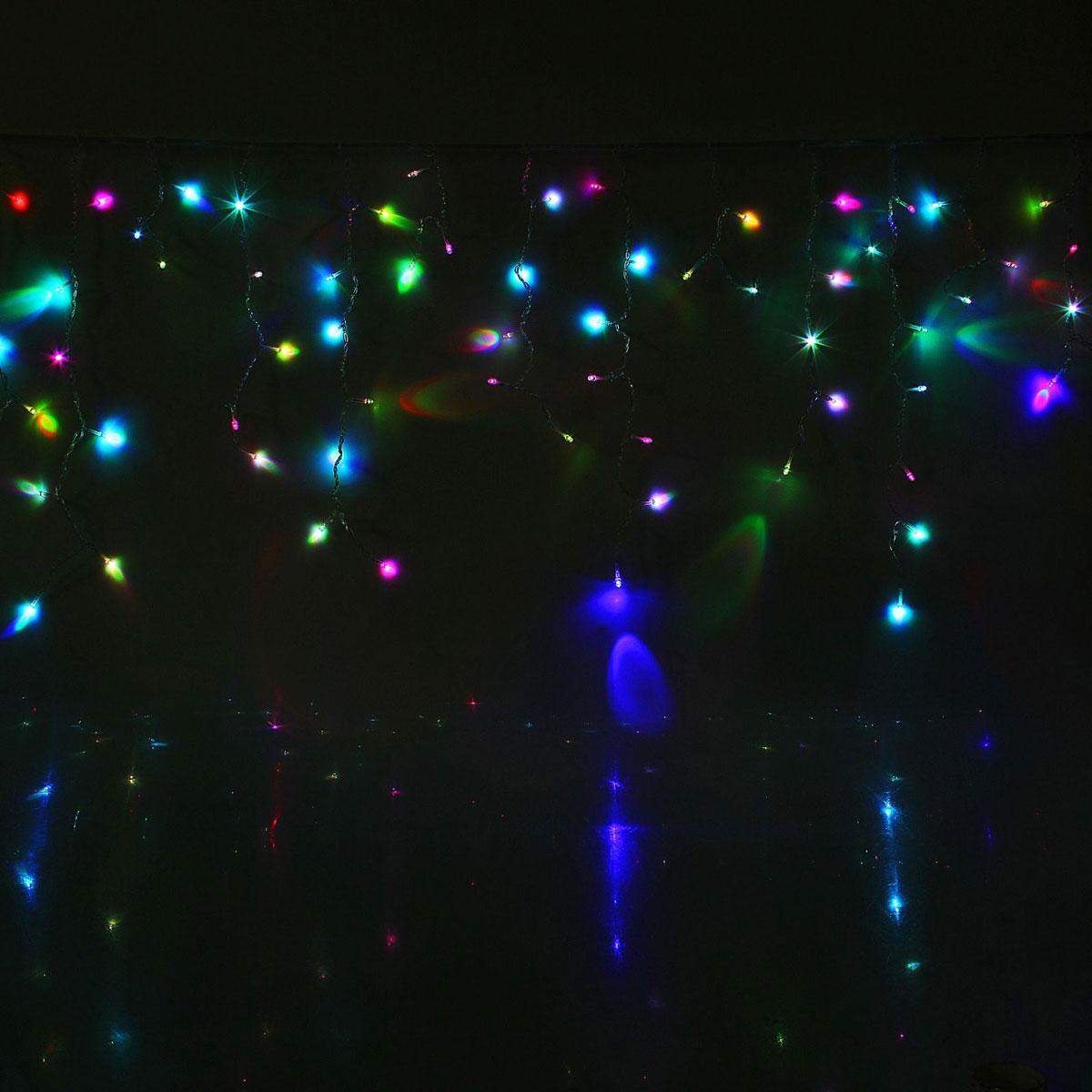 Гирлянда светодиодная Luazon Бахрома, уличная, моргает, 60 ламп, 220V, цвет: белый, 1 х 0,6 м. 10801341080134Светодиодные гирлянды, ленты и т.д — это отличный вариант для новогоднего оформления интерьера или фасада. С их помощью помещение любого размера можно превратить в праздничный зал, а внешние элементы зданий, украшенные ими, мгновенно станут напоминать очертания сказочного дворца. Такие украшения создают ауру предвкушения чуда. Деревья, фасады, витрины, окна и арки будто специально созданы, чтобы вы украсили их светящимися нитями.