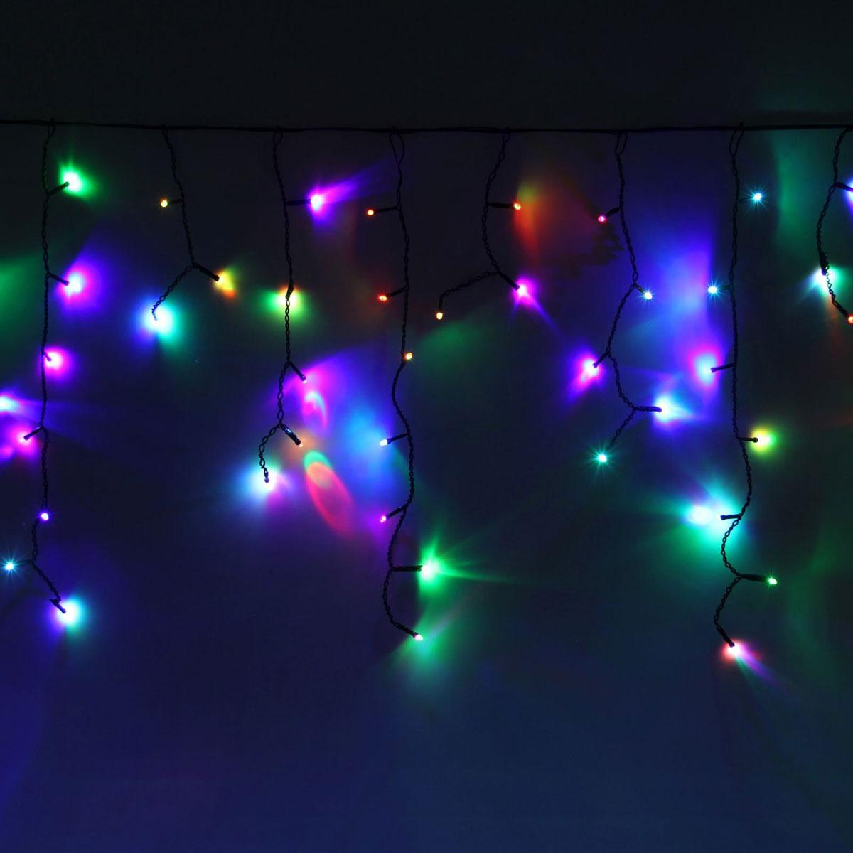 Гирлянда светодиодная Luazon Бахрома, уличная, моргает, 60 ламп, 220V, цвет: мультиколор, 1 х 0,6 м. 10801401080140Светодиодные гирлянды, ленты и т.д — это отличный вариант для новогоднего оформления интерьера или фасада. С их помощью помещение любого размера можно превратить в праздничный зал, а внешние элементы зданий, украшенные ими, мгновенно станут напоминать очертания сказочного дворца. Такие украшения создают ауру предвкушения чуда. Деревья, фасады, витрины, окна и арки будто специально созданы, чтобы вы украсили их светящимися нитями.