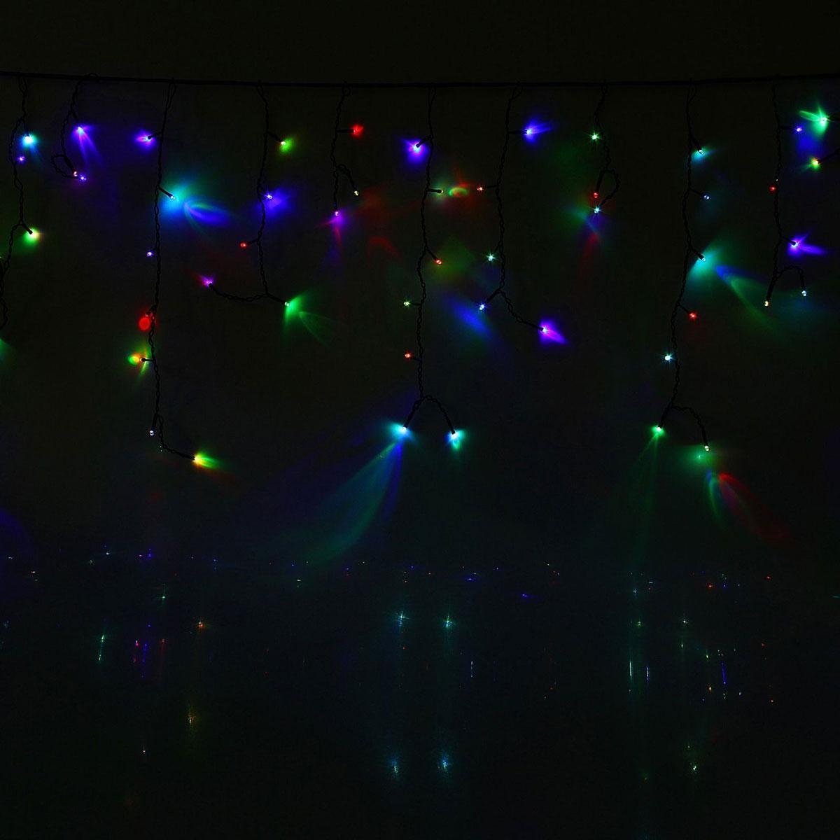 Гирлянда светодиодная Luazon Бахрома, уличная, моргает, 180 ламп, 220 V, цвет: мультиколор, 4 х 0,6 м. 10801601080160Светодиодные гирлянды, ленты и т.д — это отличный вариант для новогоднего оформления интерьера или фасада. С их помощью помещение любого размера можно превратить в праздничный зал, а внешние элементы зданий, украшенные ими, мгновенно станут напоминать очертания сказочного дворца. Такие украшения создают ауру предвкушения чуда. Деревья, фасады, витрины, окна и арки будто специально созданы, чтобы вы украсили их светящимися нитями.