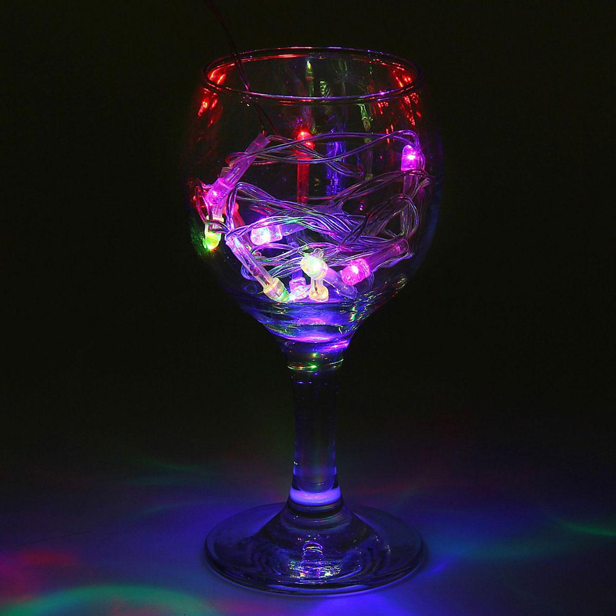 Гирлянда светодиодная Luazon Метраж, цвет: мультиколор, 12 ламп, 220 V, длина 1,2 м. 10803411080341Светодиодные гирлянды и ленты — это отличный вариант для новогоднего оформления интерьера или фасада. С их помощью помещение любого размера можно превратить в праздничный зал, а внешние элементы зданий, украшенные ими, мгновенно станут напоминать очертания сказочного дворца. Такие украшения создают ауру предвкушения чуда. Деревья, фасады, витрины, окна и арки будто специально созданы, чтобы вы украсили их светящимися нитями.