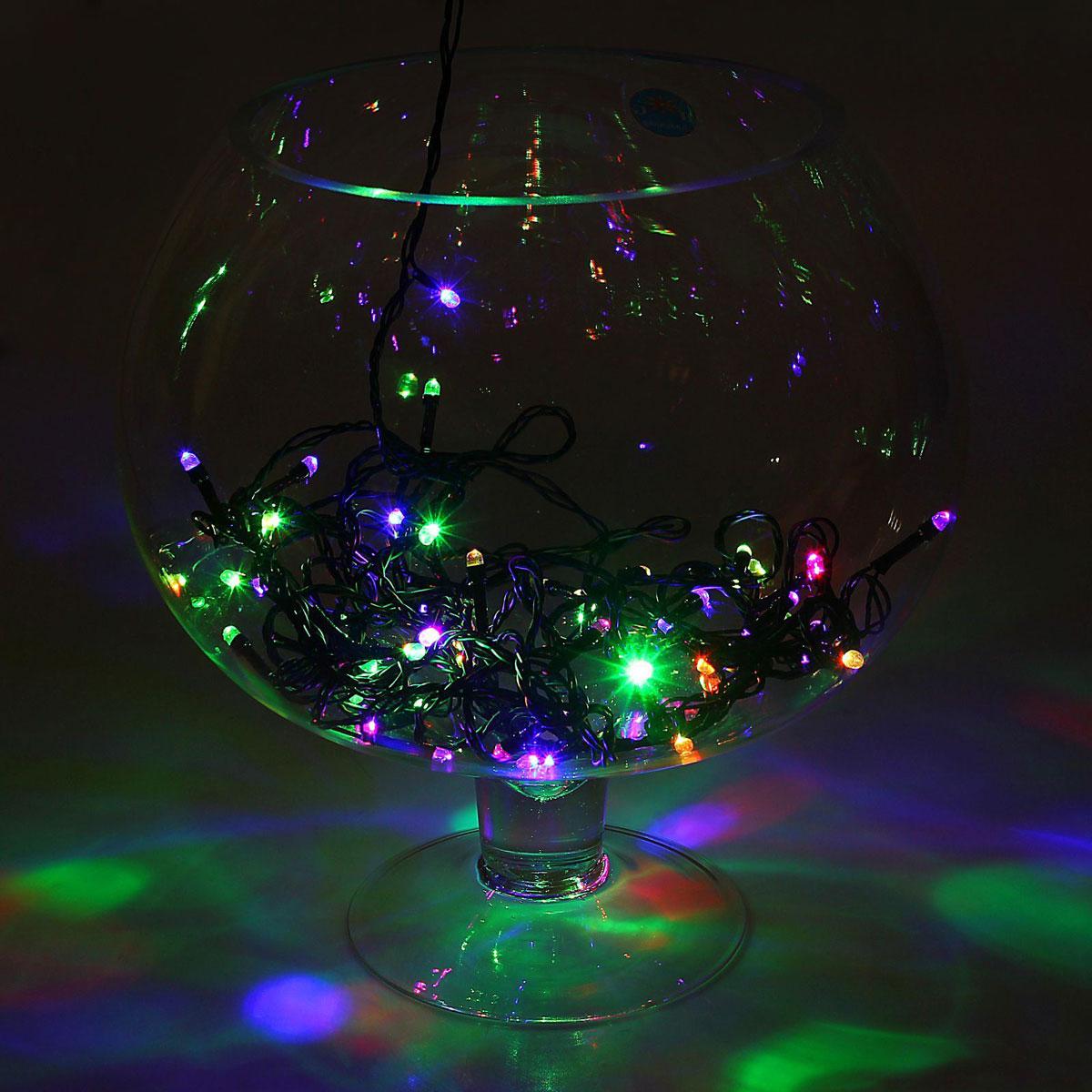 Гирлянда светодиодная Luazon Метраж, моргает, 50 ламп, 220 V, 5,2 м, цвет: мультиколор. 10803471080347Светодиодные гирлянды, ленты и т.д. — это отличный вариант для новогоднего оформления интерьера или фасада. С их помощью помещение любого размера можно превратить в праздничный зал, а внешние элементы зданий, украшенные ими, мгновенно станут напоминать очертания сказочного дворца. Такие украшения создают ауру предвкушения чуда. Деревья, фасады, витрины, окна и арки будто специально созданы, чтобы вы украсили их светящимися нитями.