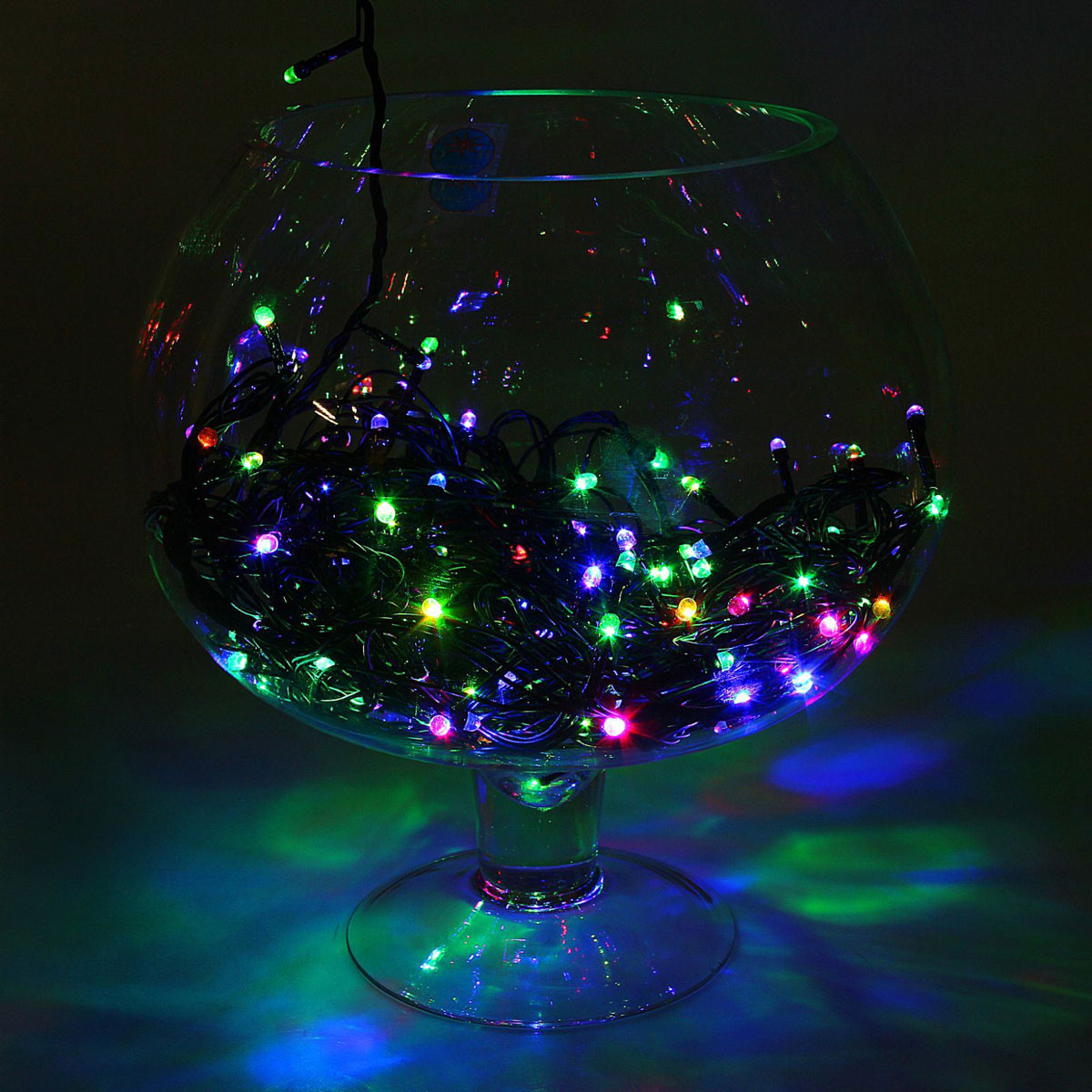 Гирлянда светодиодная Luazon Метраж, цвет: мультиколор, 150 ламп, 220 V, длина 13 м. 10803551080355Светодиодные гирлянды и ленты — это отличный вариант для новогоднего оформления интерьера или фасада. С их помощью помещение любого размера можно превратить в праздничный зал, а внешние элементы зданий, украшенные ими, мгновенно станут напоминать очертания сказочного дворца. Такие украшения создают ауру предвкушения чуда. Деревья, фасады, витрины, окна и арки будто специально созданы, чтобы вы украсили их светящимися нитями.