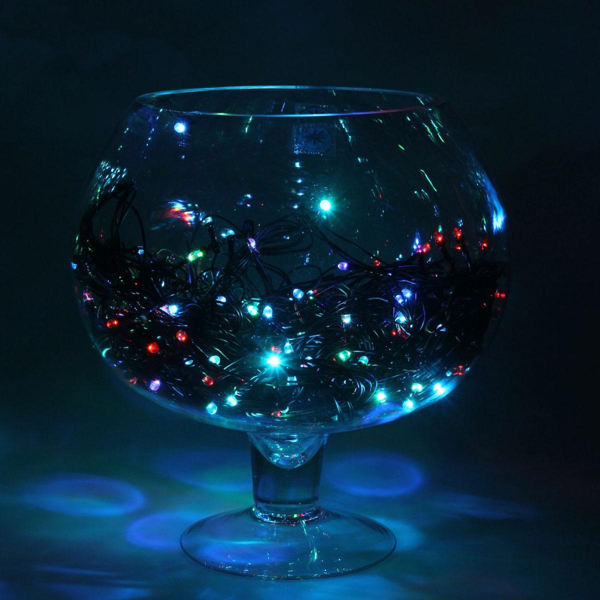 Гирлянда светодиодная Luazon Метраж, 200 ламп, 220 V, длина 20 м. 10803601080360Светодиодные гирлянды и ленты — это отличный вариант для новогоднего оформления интерьера или фасада. С их помощью помещение любого размера можно превратить в праздничный зал, а внешние элементы зданий, украшенные ими, мгновенно станут напоминать очертания сказочного дворца. Такие украшения создают ауру предвкушения чуда. Деревья, фасады, витрины, окна и арки будто специально созданы, чтобы вы украсили их светящимися нитями.