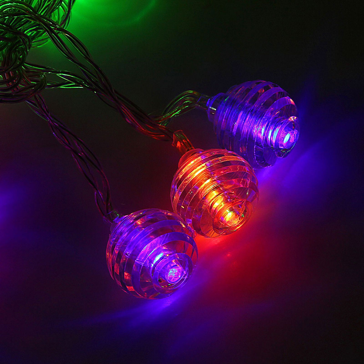 Гирлянда светодиодная Luazon Метраж. Космос, 20 ламп, 3,6 V, длина 3 м1080371Светодиодные гирлянды и ленты — это отличный вариант для новогоднего оформления интерьера или фасада. С их помощью помещение любого размера можно превратить в праздничный зал, а внешние элементы зданий, украшенные ими, мгновенно станут напоминать очертания сказочного дворца. Такие украшения создают ауру предвкушения чуда. Деревья, фасады, витрины, окна и арки будто специально созданы, чтобы вы украсили их светящимися нитями.