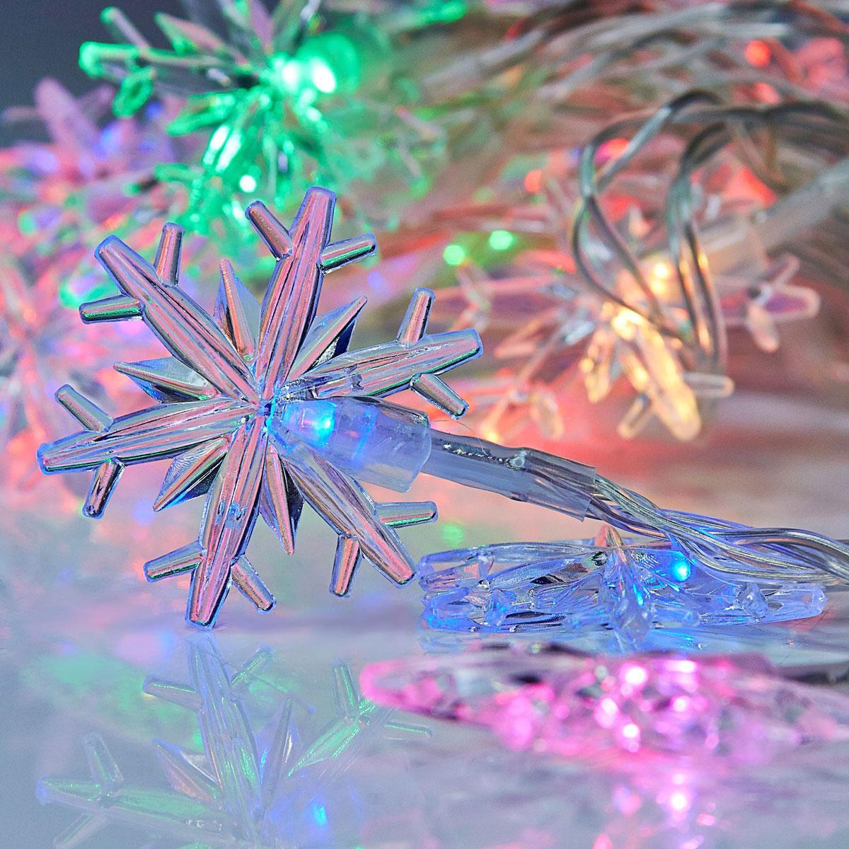 Гирлянда светодиодная Luazon Метраж. Снежинки большие, 20 ламп, 5 V, длина 3 м1080373Светодиодные гирлянды и ленты — это отличный вариант для новогоднего оформления интерьера или фасада. С их помощью помещение любого размера можно превратить в праздничный зал, а внешние элементы зданий, украшенные ими, мгновенно станут напоминать очертания сказочного дворца. Такие украшения создают ауру предвкушения чуда. Деревья, фасады, витрины, окна и арки будто специально созданы, чтобы вы украсили их светящимися нитями.