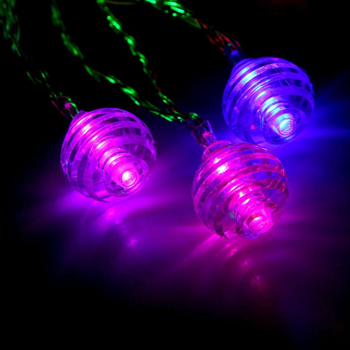 Гирлянда светодиодная Luazon Метраж. Космос, 20 ламп, 5 V, длина 3 м1080380Светодиодные гирлянды и ленты — это отличный вариант для новогоднего оформления интерьера или фасада. С их помощью помещение любого размера можно превратить в праздничный зал, а внешние элементы зданий, украшенные ими, мгновенно станут напоминать очертания сказочного дворца. Такие украшения создают ауру предвкушения чуда. Деревья, фасады, витрины, окна и арки будто специально созданы, чтобы вы украсили их светящимися нитями.