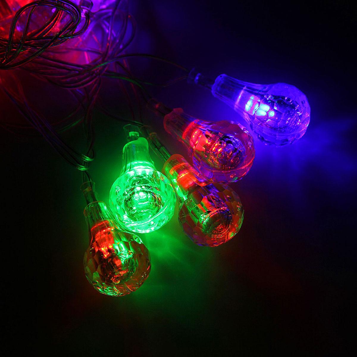 Гирлянда светодиодная Luazon Метраж. Капля, 20 ламп, 220 V, длина 5 м1080386Светодиодные гирлянды и ленты — это отличный вариант для новогоднего оформления интерьера или фасада. С их помощью помещение любого размера можно превратить в праздничный зал, а внешние элементы зданий, украшенные ими, мгновенно станут напоминать очертания сказочного дворца. Такие украшения создают ауру предвкушения чуда. Деревья, фасады, витрины, окна и арки будто специально созданы, чтобы вы украсили их светящимися нитями.
