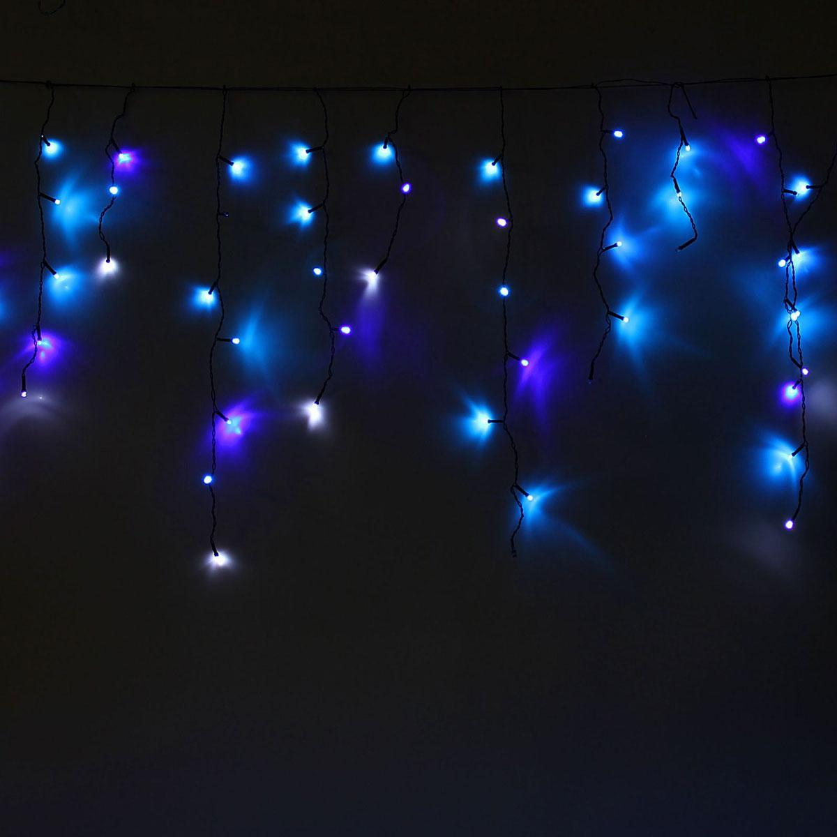 Гирлянда светодиодная Luazon Бахрома, эффект мерцания, 60 ламп, 220 V, цвет: синий, белый, 1,2 х 0,6 м. 10804121080412Светодиодные гирлянды, ленты и т.д — это отличный вариант для новогоднего оформления интерьера или фасада. С их помощью помещение любого размера можно превратить в праздничный зал, а внешние элементы зданий, украшенные ими, мгновенно станут напоминать очертания сказочного дворца. Такие украшения создают ауру предвкушения чуда. Деревья, фасады, витрины, окна и арки будто специально созданы, чтобы вы украсили их светящимися нитями.