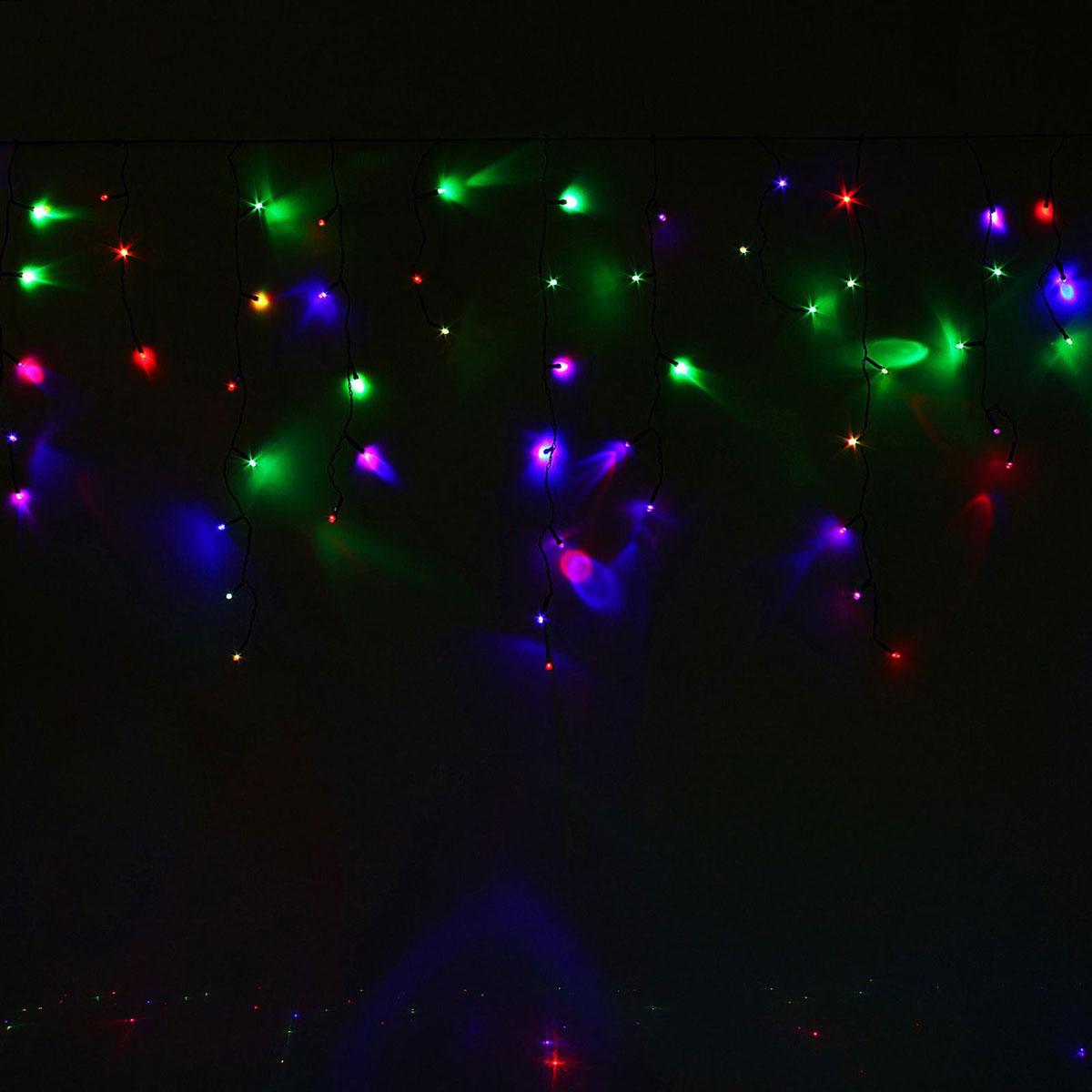 Гирлянда светодиодная Luazon Бахрома, моргает, 120 ламп, 220 V, цвет: мультиколор, 2,4 х 0,6 м. 10804161080416Светодиодные гирлянды, ленты и т.д — это отличный вариант для новогоднего оформления интерьера или фасада. С их помощью помещение любого размера можно превратить в праздничный зал, а внешние элементы зданий, украшенные ими, мгновенно станут напоминать очертания сказочного дворца. Такие украшения создают ауру предвкушения чуда. Деревья, фасады, витрины, окна и арки будто специально созданы, чтобы вы украсили их светящимися нитями.