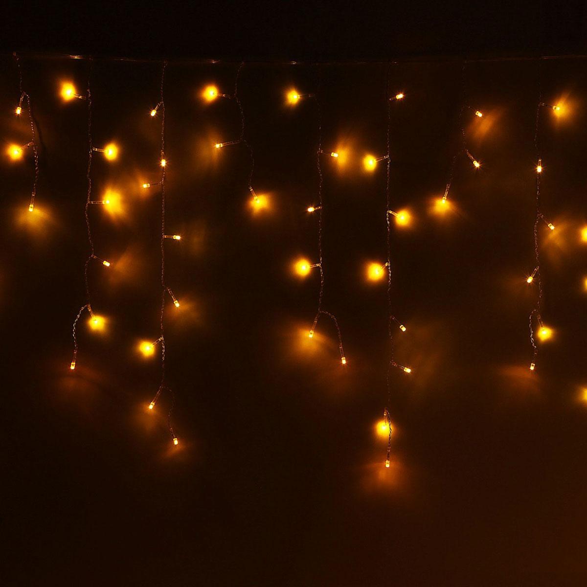 Гирлянда светодиодная Luazon Бахрома, 8 режимов, 299 ламп, 220 V, цвет: желтый, 5,2 х 0,6 м. 10804241080424Светодиодные гирлянды, ленты и т.д — это отличный вариант для новогоднего оформления интерьера или фасада. С их помощью помещение любого размера можно превратить в праздничный зал, а внешние элементы зданий, украшенные ими, мгновенно станут напоминать очертания сказочного дворца. Такие украшения создают ауру предвкушения чуда. Деревья, фасады, витрины, окна и арки будто специально созданы, чтобы вы украсили их светящимися нитями.
