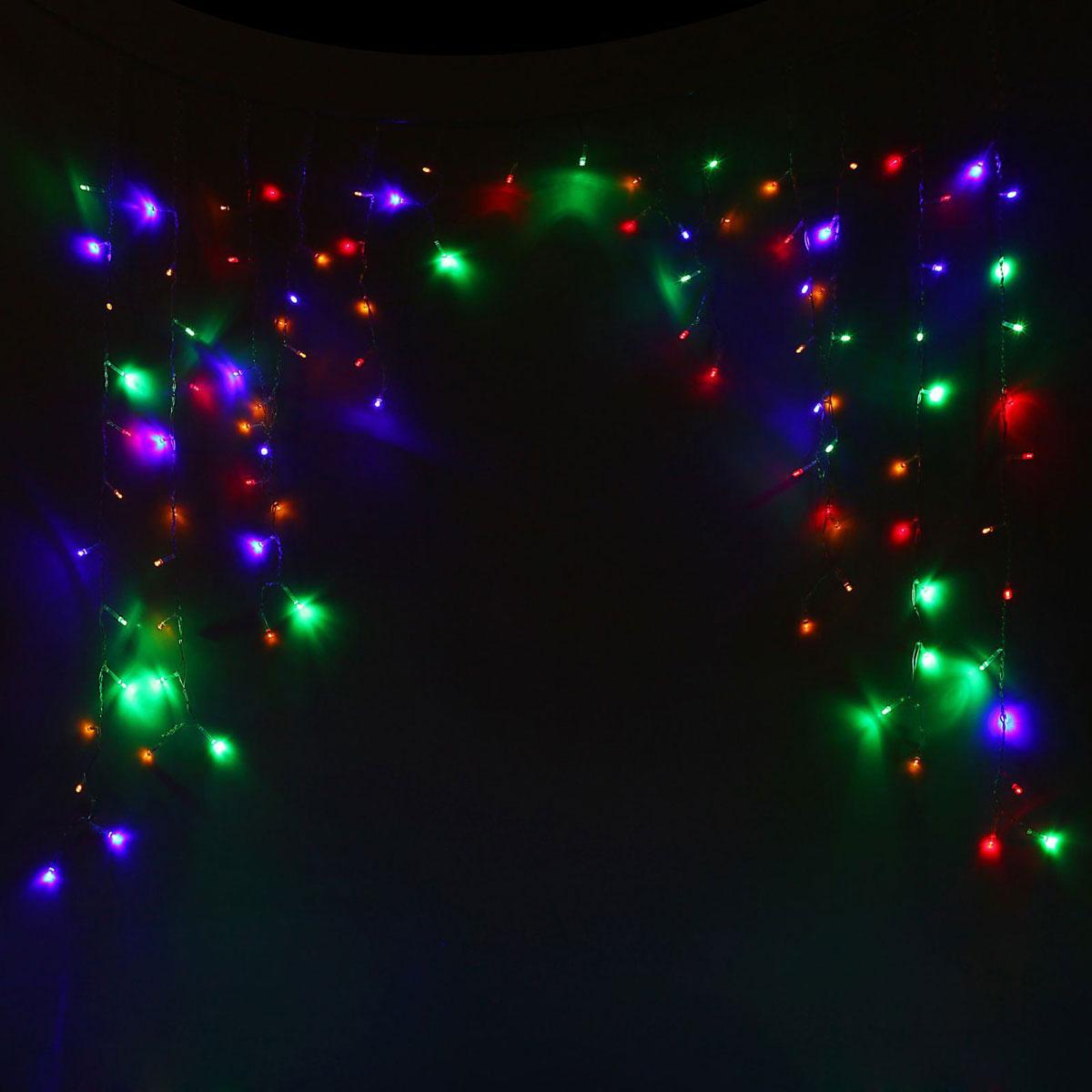 Гирлянда светодиодная Luazon Бахрома. Арка, 8 режимов, 126 ламп, 220 V, цвет: мультиколор, 1 х 1 м. 10804291080429Светодиодные гирлянды, ленты и т.д — это отличный вариант для новогоднего оформления интерьера или фасада. С их помощью помещение любого размера можно превратить в праздничный зал, а внешние элементы зданий, украшенные ими, мгновенно станут напоминать очертания сказочного дворца. Такие украшения создают ауру предвкушения чуда. Деревья, фасады, витрины, окна и арки будто специально созданы, чтобы вы украсили их светящимися нитями.