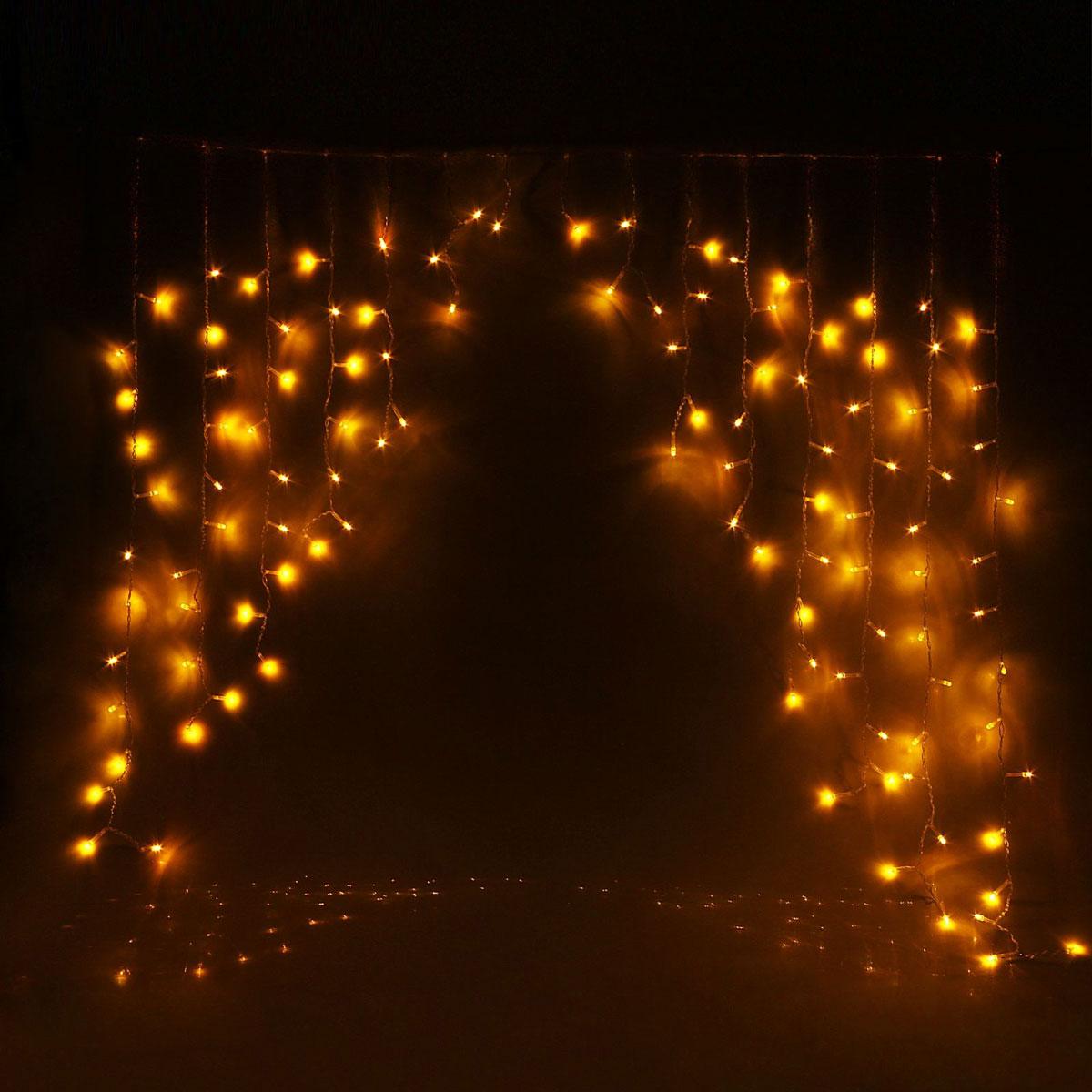 Гирлянда светодиодная Luazon Бахрома. Арка, 8 режимов, 126 ламп, 220 V, цвет: желтый, 1 х 1 м. 10804341080434Светодиодные гирлянды, ленты и т.д — это отличный вариант для новогоднего оформления интерьера или фасада. С их помощью помещение любого размера можно превратить в праздничный зал, а внешние элементы зданий, украшенные ими, мгновенно станут напоминать очертания сказочного дворца. Такие украшения создают ауру предвкушения чуда. Деревья, фасады, витрины, окна и арки будто специально созданы, чтобы вы украсили их светящимися нитями.