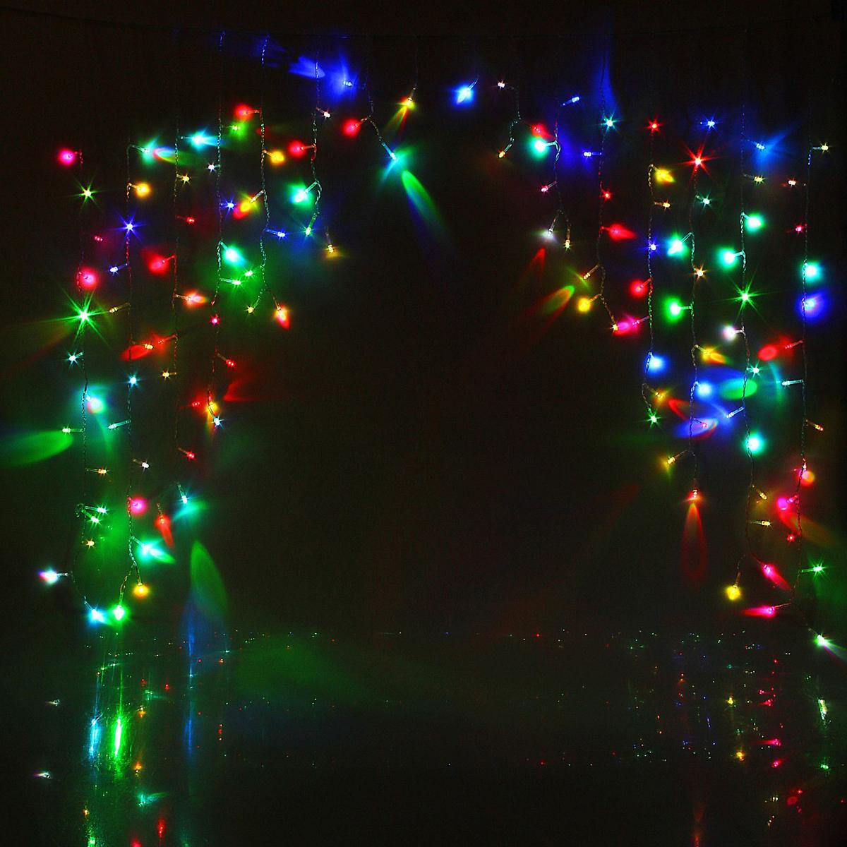 Гирлянда светодиодная Luazon Бахрома. Арка, моргает, 126 ламп, 220 V, цвет: мультиколор, 1 х 1 м. 10804371080437Светодиодные гирлянды, ленты и т.д — это отличный вариант для новогоднего оформления интерьера или фасада. С их помощью помещение любого размера можно превратить в праздничный зал, а внешние элементы зданий, украшенные ими, мгновенно станут напоминать очертания сказочного дворца. Такие украшения создают ауру предвкушения чуда. Деревья, фасады, витрины, окна и арки будто специально созданы, чтобы вы украсили их светящимися нитями.