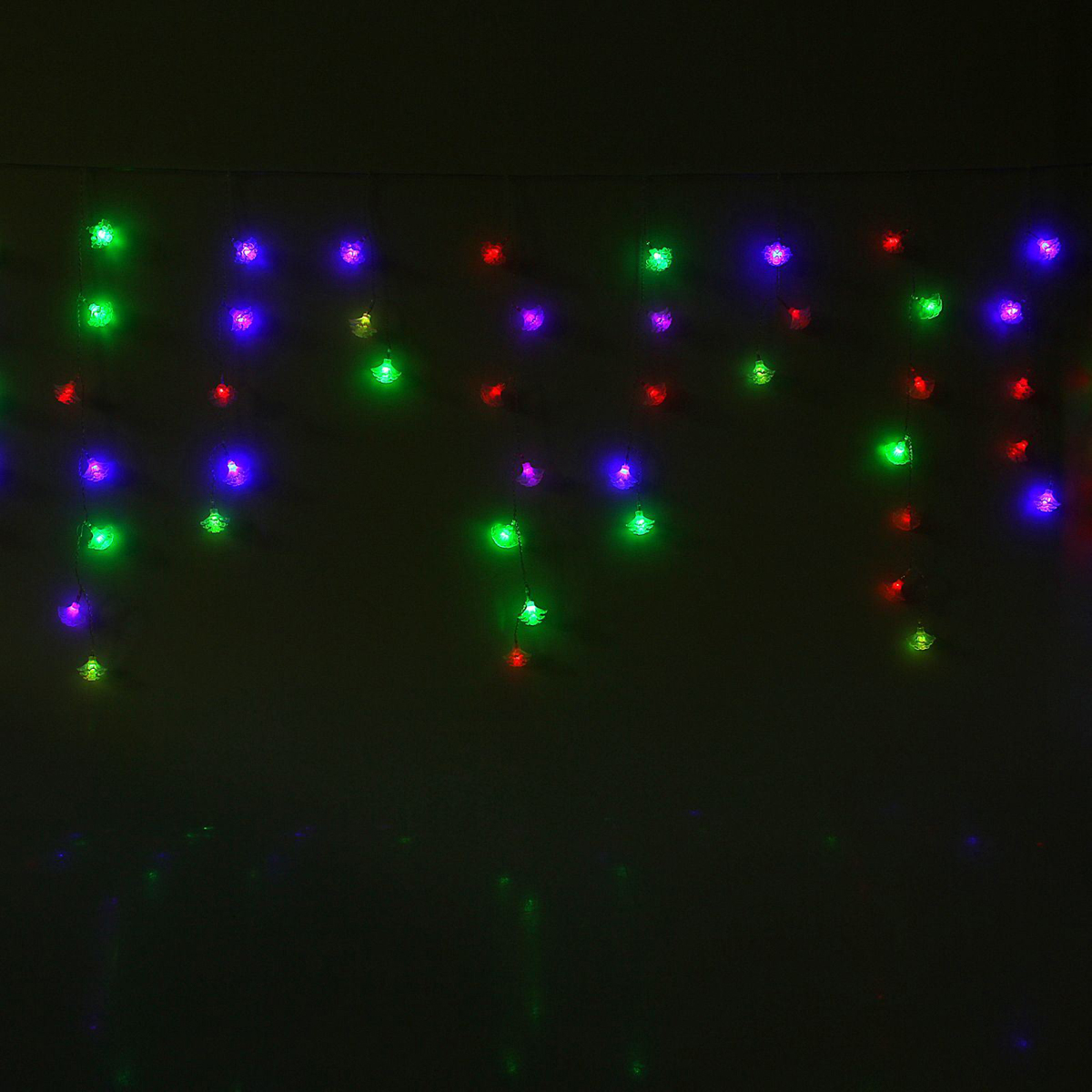 Гирлянда светодиодная Luazon Бахрома. Георгин, 100 ламп, 220 V, цвет: мультиколор, 2,8 х 0,6 м. 10804471080447Светодиодные гирлянды, ленты и т.д — это отличный вариант для новогоднего оформления интерьера или фасада. С их помощью помещение любого размера можно превратить в праздничный зал, а внешние элементы зданий, украшенные ими, мгновенно станут напоминать очертания сказочного дворца. Такие украшения создают ауру предвкушения чуда. Деревья, фасады, витрины, окна и арки будто специально созданы, чтобы вы украсили их светящимися нитями.