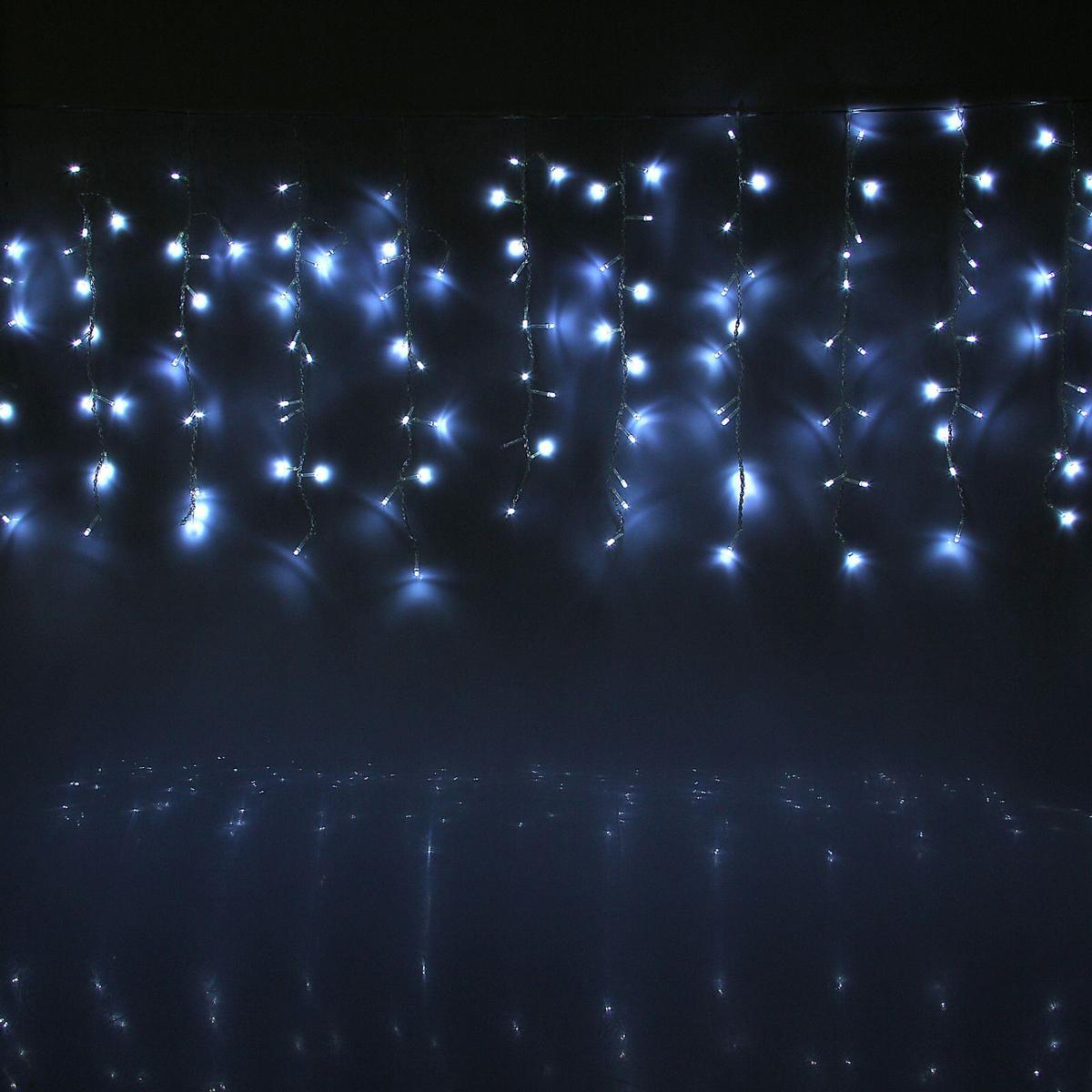 Гирлянда светодиодная Luazon Занавес, цвет: белый, 180 ламп, 8 режимов, 220 V, 1,5 х 1 м. 10804531080453Светодиодные гирлянды и ленты — это отличный вариант для новогоднего оформления интерьера или фасада. С их помощью помещение любого размера можно превратить в праздничный зал, а внешние элементы зданий, украшенные ими, мгновенно станут напоминать очертания сказочного дворца. Такие украшения создают ауру предвкушения чуда. Деревья, фасады, витрины, окна и арки будто специально созданы, чтобы вы украсили их светящимися нитями.