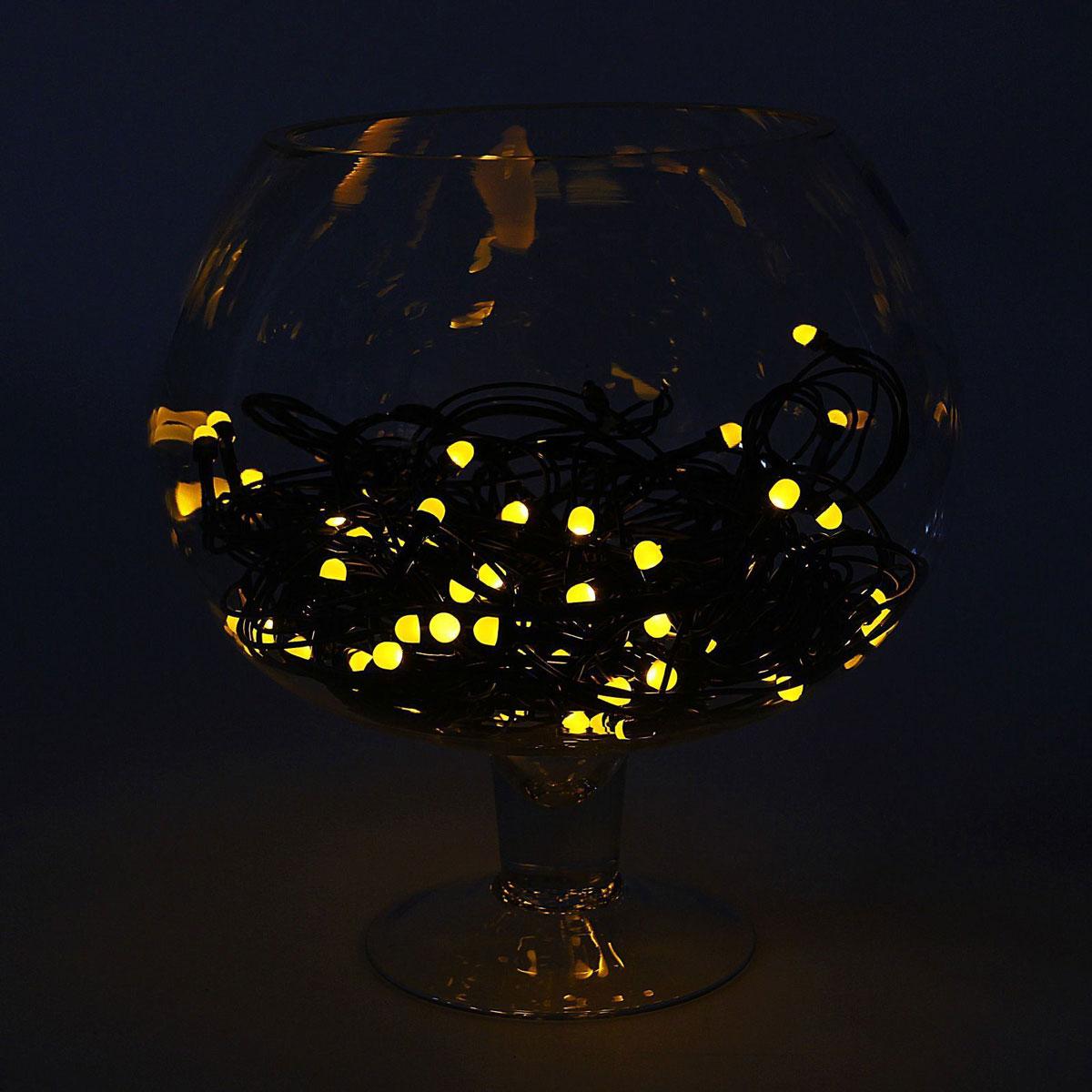 Гирлянда светодиодная Luazon Метраж, уличная, 8 режимов, 200 ламп, 220 V, 20 м, цвет: желтый. 10805751080575Светодиодные гирлянды, ленты и т.д. — это отличный вариант для новогоднего оформления интерьера или фасада. С их помощью помещение любого размера можно превратить в праздничный зал, а внешние элементы зданий, украшенные ими, мгновенно станут напоминать очертания сказочного дворца. Такие украшения создают ауру предвкушения чуда. Деревья, фасады, витрины, окна и арки будто специально созданы, чтобы вы украсили их светящимися нитями.