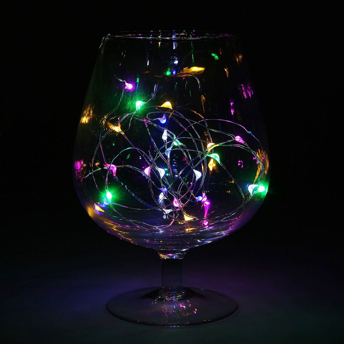 Гирлянда светодиодная Luazon Метраж. Капля росы, цвет: мультиколор, 30 ламп, 2 режима, 3,6 V, длина 3 м1080587Светодиодные гирлянды и ленты — это отличный вариант для новогоднего оформления интерьера или фасада. С их помощью помещение любого размера можно превратить в праздничный зал, а внешние элементы зданий, украшенные ими, мгновенно станут напоминать очертания сказочного дворца. Такие украшения создают ауру предвкушения чуда. Деревья, фасады, витрины, окна и арки будто специально созданы, чтобы вы украсили их светящимися нитями.
