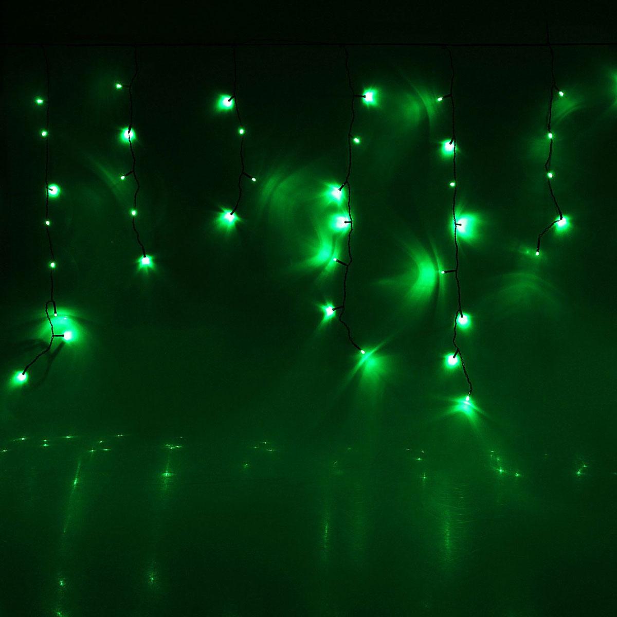 Гирлянда светодиодная Luazon Бахрома, 8 режимов, 96 ламп, 220 V, цвет: зеленый, 3 х 0,7 м. 15857691585769Светодиодные гирлянды, ленты и т.д — это отличный вариант для новогоднего оформления интерьера или фасада. С их помощью помещение любого размера можно превратить в праздничный зал, а внешние элементы зданий, украшенные ими, мгновенно станут напоминать очертания сказочного дворца. Такие украшения создают ауру предвкушения чуда. Деревья, фасады, витрины, окна и арки будто специально созданы, чтобы вы украсили их светящимися нитями.