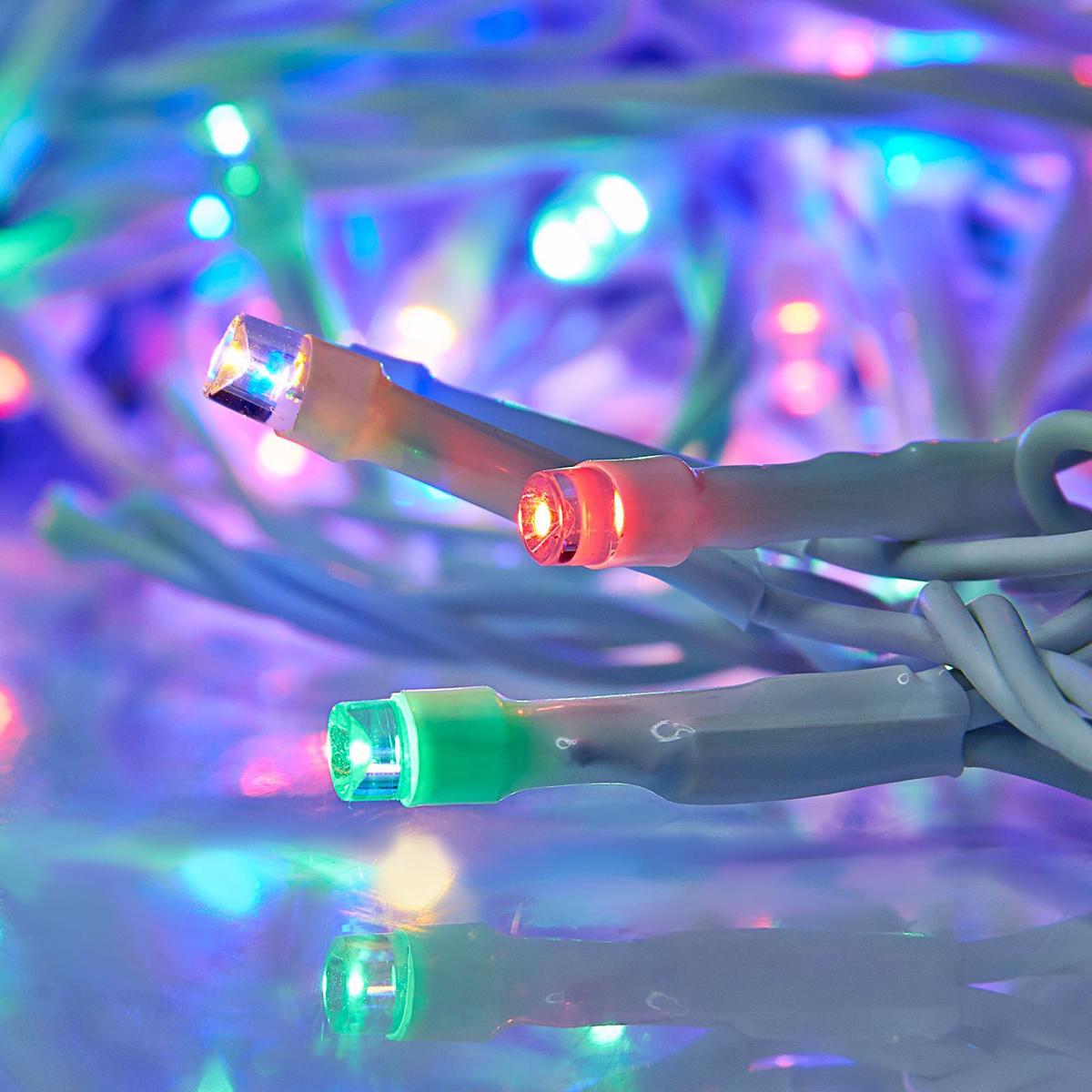 Гирлянда светодиодная Luazon Метраж, уличная, 100 ламп, 24 V, 10 м, цвет: мультиколор. 15860101586010Светодиодные гирлянды, ленты и т.д. — это отличный вариант для новогоднего оформления интерьера или фасада. С их помощью помещение любого размера можно превратить в праздничный зал, а внешние элементы зданий, украшенные ими, мгновенно станут напоминать очертания сказочного дворца. Такие украшения создают ауру предвкушения чуда. Деревья, фасады, витрины, окна и арки будто специально созданы, чтобы вы украсили их светящимися нитями.
