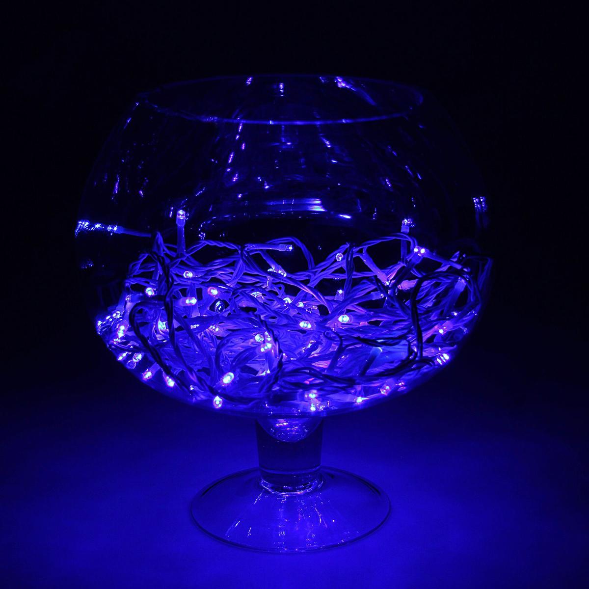 Гирлянда светодиодная Luazon Метраж, уличная, мерцание, 100 ламп, 24 V, 10 м, цвет: синий. 15860221586022Гирлянда светодиодная Luazon Метраж - это отличный вариант для новогоднего оформления интерьера или фасада. С ее помощью помещение любого размера можно превратить в праздничный зал, а внешние элементы зданий, украшенные ей, мгновенно станут напоминать очертания сказочного дворца. Такое украшение создает ауру предвкушения чуда. Деревья, фасады, витрины, окна и арки будто специально созданы, чтобы вы украсили их светящимися нитями. Гирлянда не имеет контроллера. Тип вилки: УМС.