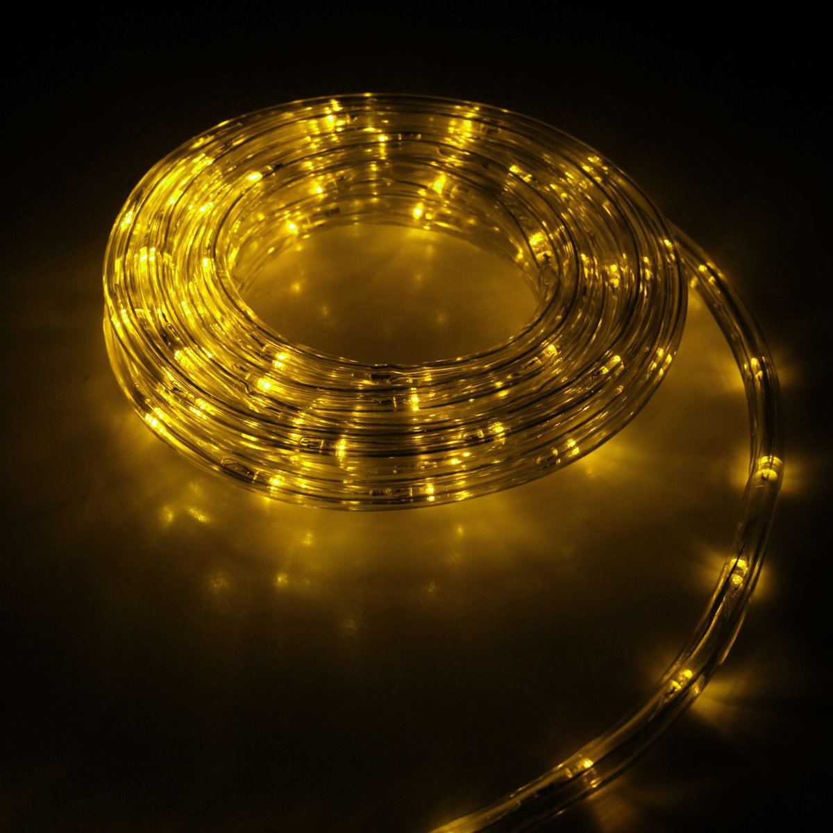 Гирлянда светодиодная Luazon, 240 ламп, 8 режимов, 220 V, цвет: желтый, 1 см х 10 м. 15898301589830Светодиодные гирлянды, ленты и т.д — это отличный вариант для новогоднего оформления интерьера или фасада. С их помощью помещение любого размера можно превратить в праздничный зал, а внешние элементы зданий, украшенные ими, мгновенно станут напоминать очертания сказочного дворца. Такие украшения создают ауру предвкушения чуда. Деревья, фасады, витрины, окна и арки будто специально созданы, чтобы вы украсили их светящимися нитями.