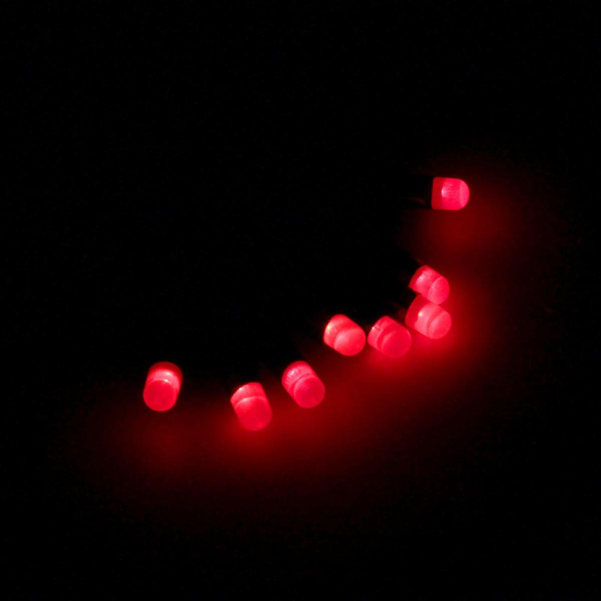 Гирлянда светодиодная Luazon Метраж. Лампочки, уличная с насадкой, 8 режимов, 40 ламп, 220 V, 5 м, цвет: красный. 185528185528Светодиодные гирлянды, ленты и т.д. — это отличный вариант для новогоднего оформления интерьера или фасада. С их помощью помещение любого размера можно превратить в праздничный зал, а внешние элементы зданий, украшенные ими, мгновенно станут напоминать очертания сказочного дворца. Такие украшения создают ауру предвкушения чуда. Деревья, фасады, витрины, окна и арки будто специально созданы, чтобы вы украсили их светящимися нитями.