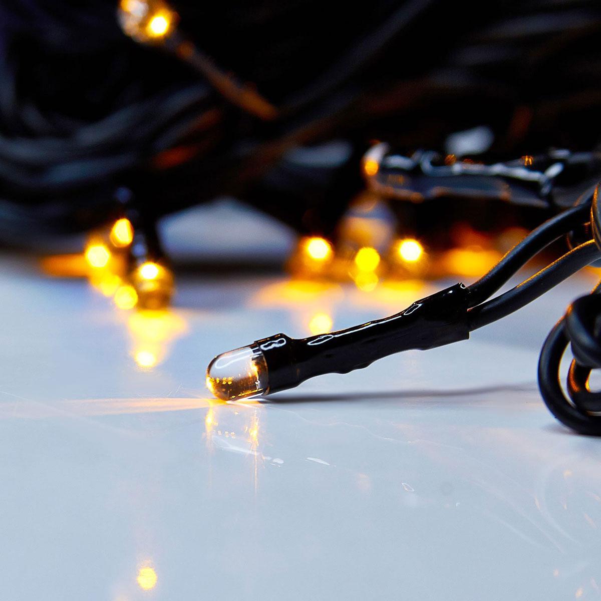 Гирлянда светодиодная Luazon Метраж, уличная, 50 ламп, 220 V, 5 м, цвет: желтый. 187238187238Светодиодные гирлянды, ленты и т.д. — это отличный вариант для новогоднего оформления интерьера или фасада. С их помощью помещение любого размера можно превратить в праздничный зал, а внешние элементы зданий, украшенные ими, мгновенно станут напоминать очертания сказочного дворца. Такие украшения создают ауру предвкушения чуда. Деревья, фасады, витрины, окна и арки будто специально созданы, чтобы вы украсили их светящимися нитями.