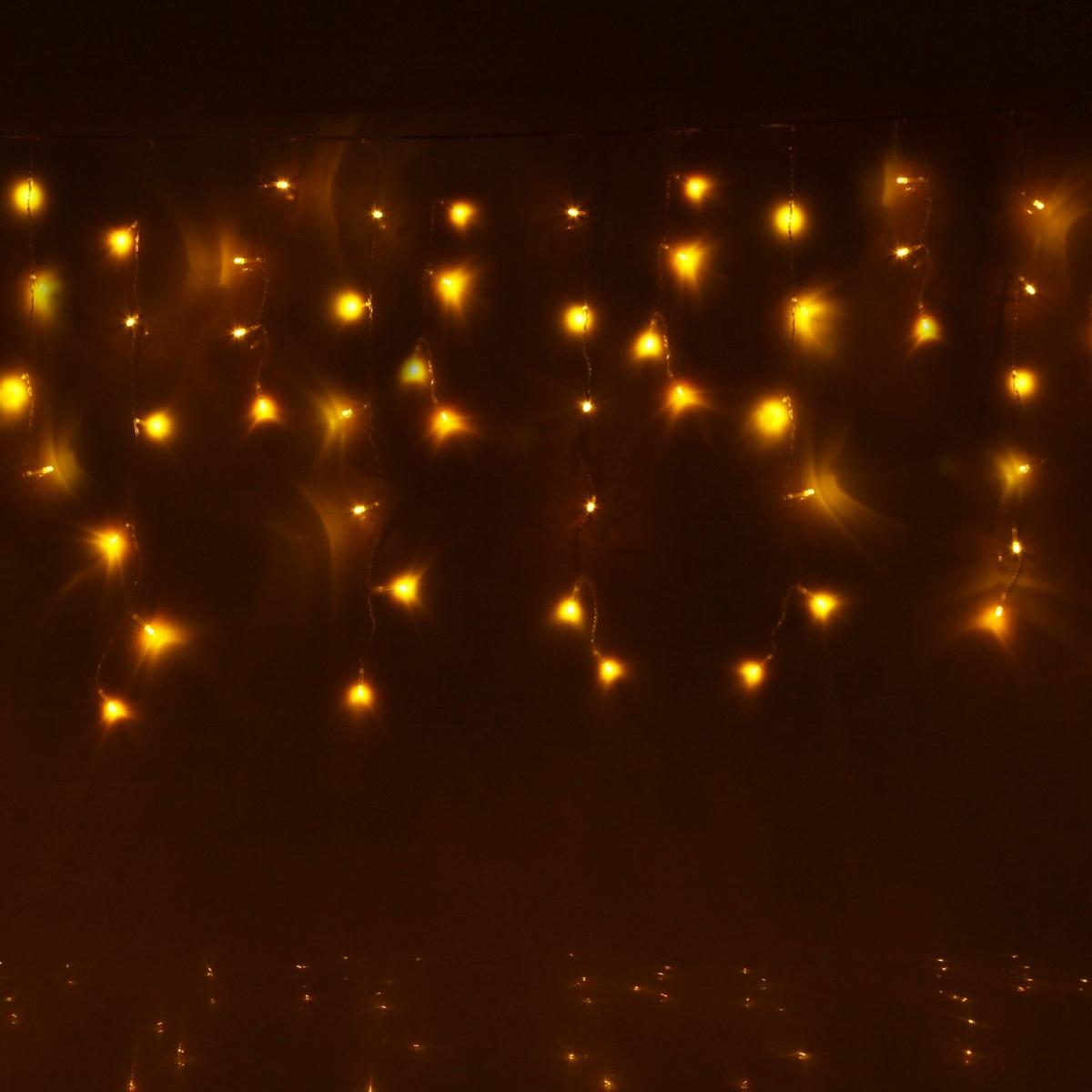 Гирлянда светодиодная Luazon Бахрома, уличная, 8 режимов, 60 ламп, 220V, цвет: желтый, 1 х 0,6 м. 187249187249Светодиодные гирлянды, ленты и т.д — это отличный вариант для новогоднего оформления интерьера или фасада. С их помощью помещение любого размера можно превратить в праздничный зал, а внешние элементы зданий, украшенные ими, мгновенно станут напоминать очертания сказочного дворца. Такие украшения создают ауру предвкушения чуда. Деревья, фасады, витрины, окна и арки будто специально созданы, чтобы вы украсили их светящимися нитями.
