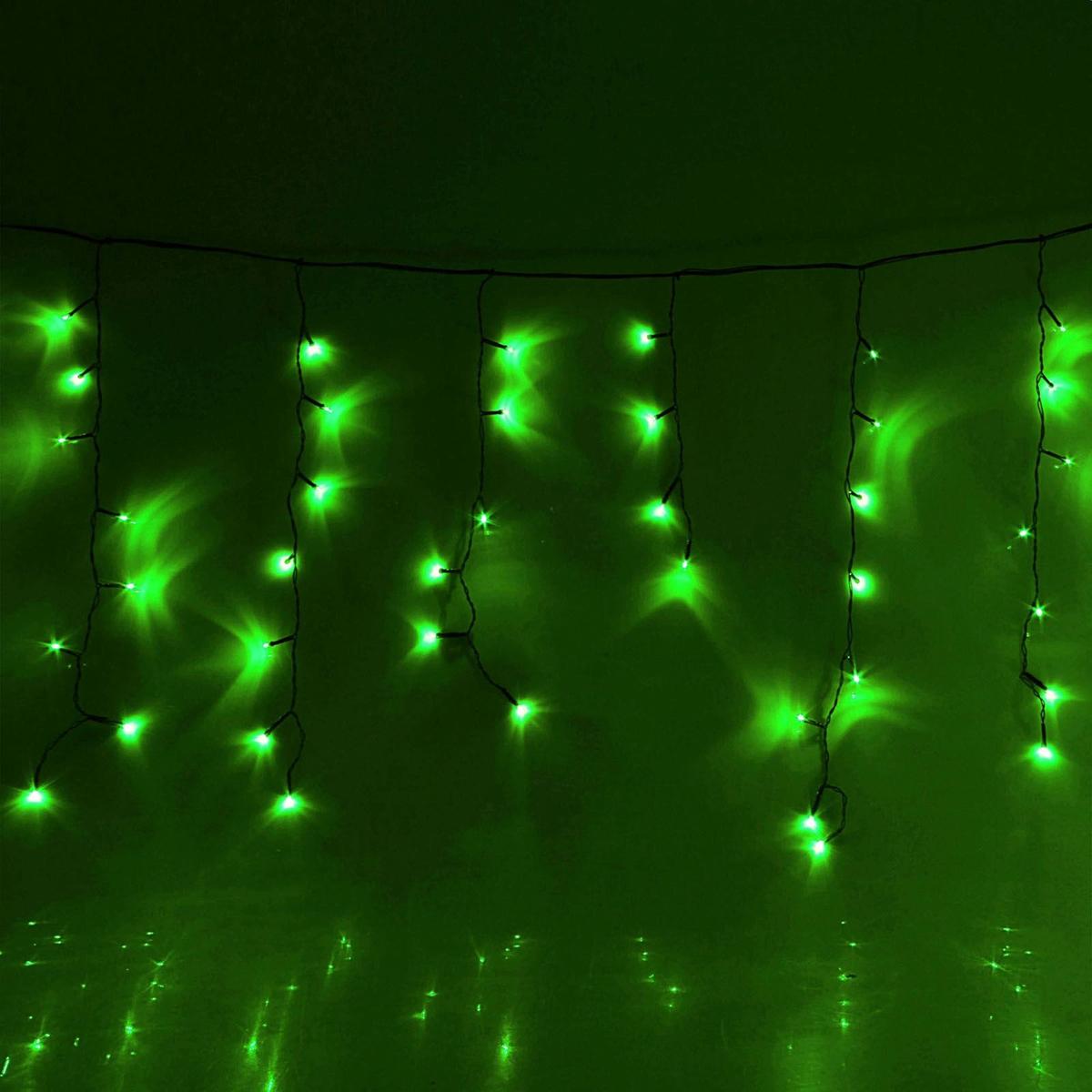 Гирлянда светодиодная Luazon Бахрома, уличная, 8 режимов, 60 ламп, 220V, цвет: зеленый, 1 х 0,6 м. 1872524670025840941Светодиодные гирлянды, ленты и т.д — это отличный вариант для новогоднего оформления интерьера или фасада. С их помощью помещение любого размера можно превратить в праздничный зал, а внешние элементы зданий, украшенные ими, мгновенно станут напоминать очертания сказочного дворца. Такие украшения создают ауру предвкушения чуда. Деревья, фасады, витрины, окна и арки будто специально созданы, чтобы вы украсили их светящимися нитями.