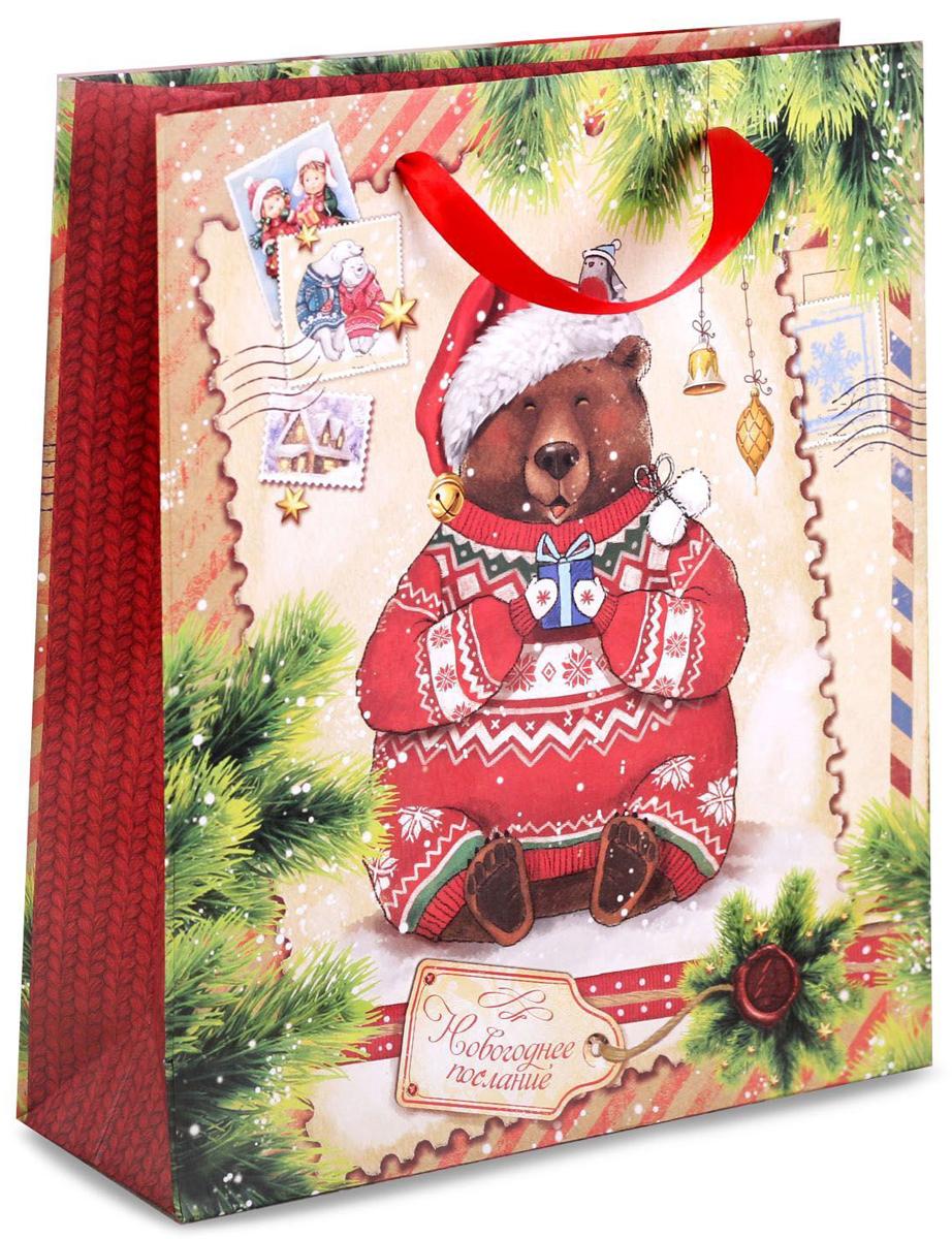 Пакет подарочный Дарите Счастье Новогоднее послание, вертикальный, 18 х 23 х 8 см2102Привлекательная упаковка послужит достойным украшением любого, даже самого скромного подарка. Она поможет создать интригу и продлить время предвкушения чуда - момента, когда презент окажется в руках адресата.Пакет имеет яркий, оригинальный дизайн, который обязательно понравится. Изделие выполнено из плотной крафтовой бумаги, благодаря чему обеспечит надёжную защиту содержимого.