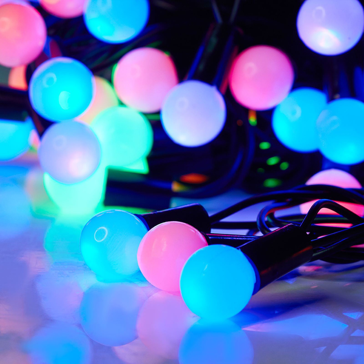 Гирлянда светодиодная Luazon Метраж. Шарики, уличная с насадкой, моргает, 50 ламп, 220 V, 6 м, цвет: мультиколор. 538719538719Светодиодные гирлянды, ленты и т.д. — это отличный вариант для новогоднего оформления интерьера или фасада. С их помощью помещение любого размера можно превратить в праздничный зал, а внешние элементы зданий, украшенные ими, мгновенно станут напоминать очертания сказочного дворца. Такие украшения создают ауру предвкушения чуда. Деревья, фасады, витрины, окна и арки будто специально созданы, чтобы вы украсили их светящимися нитями.