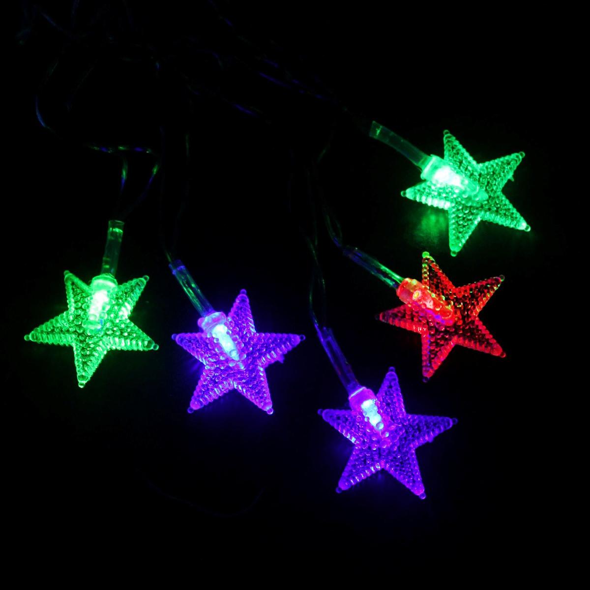 Гирлянда светодиодная Luazon Метраж. Звезда в крапинку, 20 ламп, 220 V, длина 5 м541536Светодиодные гирлянды и ленты — это отличный вариант для новогоднего оформления интерьера или фасада. С их помощью помещение любого размера можно превратить в праздничный зал, а внешние элементы зданий, украшенные ими, мгновенно станут напоминать очертания сказочного дворца. Такие украшения создают ауру предвкушения чуда. Деревья, фасады, витрины, окна и арки будто специально созданы, чтобы вы украсили их светящимися нитями.