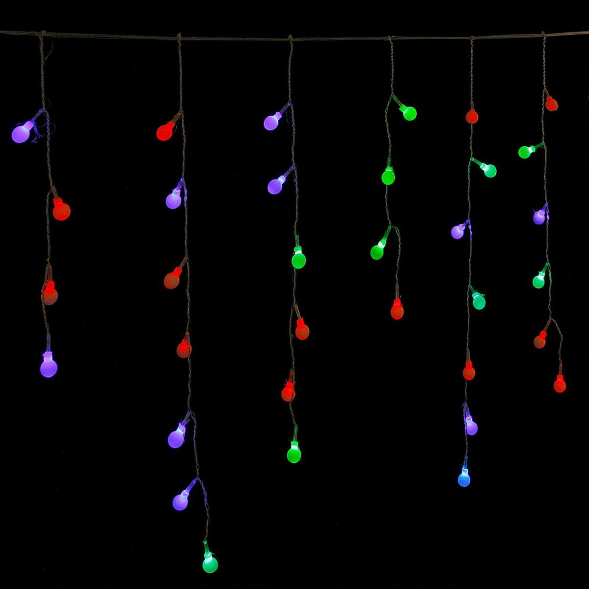 Гирлянда светодиодная Luazon Бахрома. Шарики, 48 ламп, 220 V, цвет: мультиколор, 1,4 х 0,3 м. 671649671649Светодиодные гирлянды, ленты и т.д — это отличный вариант для новогоднего оформления интерьера или фасада. С их помощью помещение любого размера можно превратить в праздничный зал, а внешние элементы зданий, украшенные ими, мгновенно станут напоминать очертания сказочного дворца. Такие украшения создают ауру предвкушения чуда. Деревья, фасады, витрины, окна и арки будто специально созданы, чтобы вы украсили их светящимися нитями.