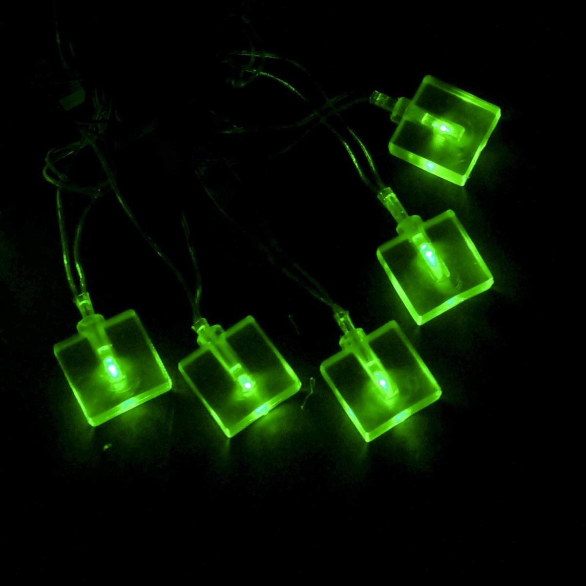 Гирлянда светодиодная Sima-land Метраж. Кубики, цвет: зеленый, 70 ламп, 8 режимов, 220 V, длина 10 м. 676367676367Светодиодные гирлянды и ленты — это отличный вариант для новогоднего оформления интерьера или фасада. С их помощью помещение любого размера можно превратить в праздничный зал, а внешние элементы зданий, украшенные ими, мгновенно станут напоминать очертания сказочного дворца. Такие украшения создают ауру предвкушения чуда. Деревья, фасады, витрины, окна и арки будто специально созданы, чтобы вы украсили их светящимися нитями.