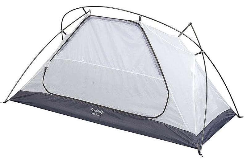 Палатка Red Fox Hermit Fox, цвет: голубой18794Очень легкая, прочная ветроустойчивая палатка для треккинга. Модель легко устанавливается одним человеком благодаря высокотехнологичной конструкции каркаса DAС. Палатка прекрасно подходит для тех, кто отправляется в сольные походы, а также для комфортного кемпинга двух человек. В модели продуманы один вход c противомоскитной сеткой, один вместительный тамбур, вентиляционные окна на молнии.- материал: Polyester 190T W/R BR- материал тента: Polyester 190T W/R PU 7000- материал дна: Nylon 190T W/R PU 9000- полиуретановое покрытие ткани, нанесенное на внутреннюю сторону, для водонепроницаемости- стойки: Алюминий 7001-Т6, d 8.8- в модели применяются стойки DAC- один вход, один тамбур- два слоя- вход внутренней палатки продублирован противомоскитной сеткой- закрывающиеся вентиляционные окна- проклеенные швы- удобные внутренние карманы для вещей первой необходимости- штормовые оттяжки- очень легко и быстро устанавливается одним человеком- одновременно устанавливаются внутренняя палатка и тент - есть возможность установить внутреннюю палатку отдельно- размеры: (60+100+60)х216х80 см- габариты в сложенном виде: 44x17x17 смЧто взять с собой в поход?. Статья OZON Гид