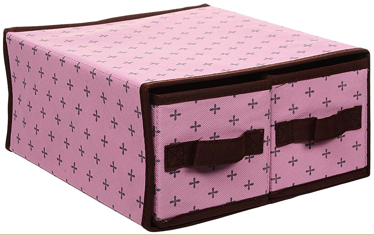 Кофр для хранения, цвет: розовый, 29 см х 28 см х 14 смFS-6102Кофр для хранения изготовлен из высококачественного нетканого материала, который позволяет сохранять естественную вентиляцию, а воздуху свободно проникать внутрь, не пропуская пыль. Кофр предназначен для хранения одежды, домашнего текстиля и аксессуаров. Закрывается крышкой, спереди имеется ручка. Благодаря специальным вставкам, кофр прекрасно держит форму, а эстетичный дизайн гармонично смотрится в любом интерьере. Мобильность конструкции обеспечивает легкое складывание и раскладывание.Такой кофр сэкономит место и сохранит порядок в доме.