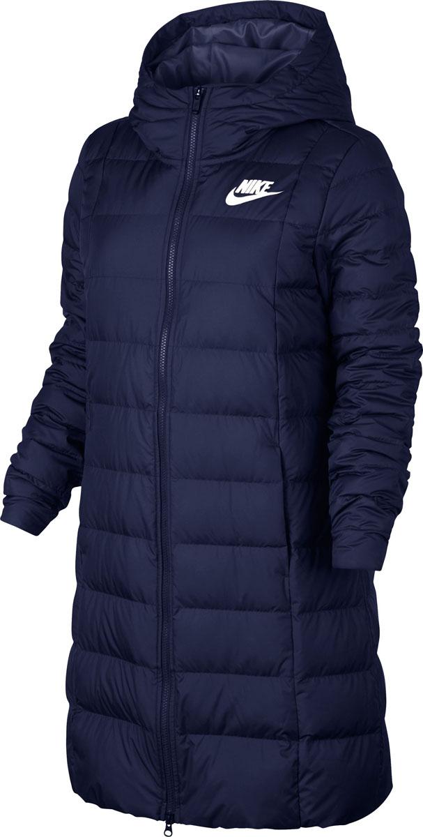 Пуховик женский Nike W Nsw Dwn Fill Prka, цвет: синий. 854860-429. Размер XS (40/42)854860-429Womens Nike Sportswear Jacket ОБТЕКАЕМЫЙ КРОЙ И ТЕПЛО. Женская куртка Nike Sportswear — более женственная версия классической модели с пуховым наполнителем, удлиненной нижней кромкой и эластичной вставкой на спине. Она обеспечивает тепло и выгодно подчеркивает фигуру. Пуховый наполнитель обеспечивает тепло и комфорт.
