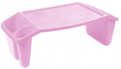 Подставка-столик Berossi, универсальная, цвет: нежно-розовый, 58,5 х 30,7 х 20,7 смАС 17763000Устойчивая подставка-столик сохранит осанку ребенку и придет на помощь в самых различных ситуациях, ведь с ее помощью так просто: рисовать, сидя на полу;кушать в кровати;играть в игрушки, когда едешь в машине;смотреть мультики на планшете и т.д.Три отсека разных размеров по бокам подойдут для хранения канцтоваров, раскрасок, любимых книжек или игрушек. Небольшое углубление в столике не позволит предметам скатываться с него. Пластик, из которого выполнено изделие достаточно прочный, чтобы выдерживать нагрузку во время рисования или прочих занятий за подставкой. Столик легко моется и отличается совсем небольшим весом, поэтому даже малыши смогут переносить его без проблем.